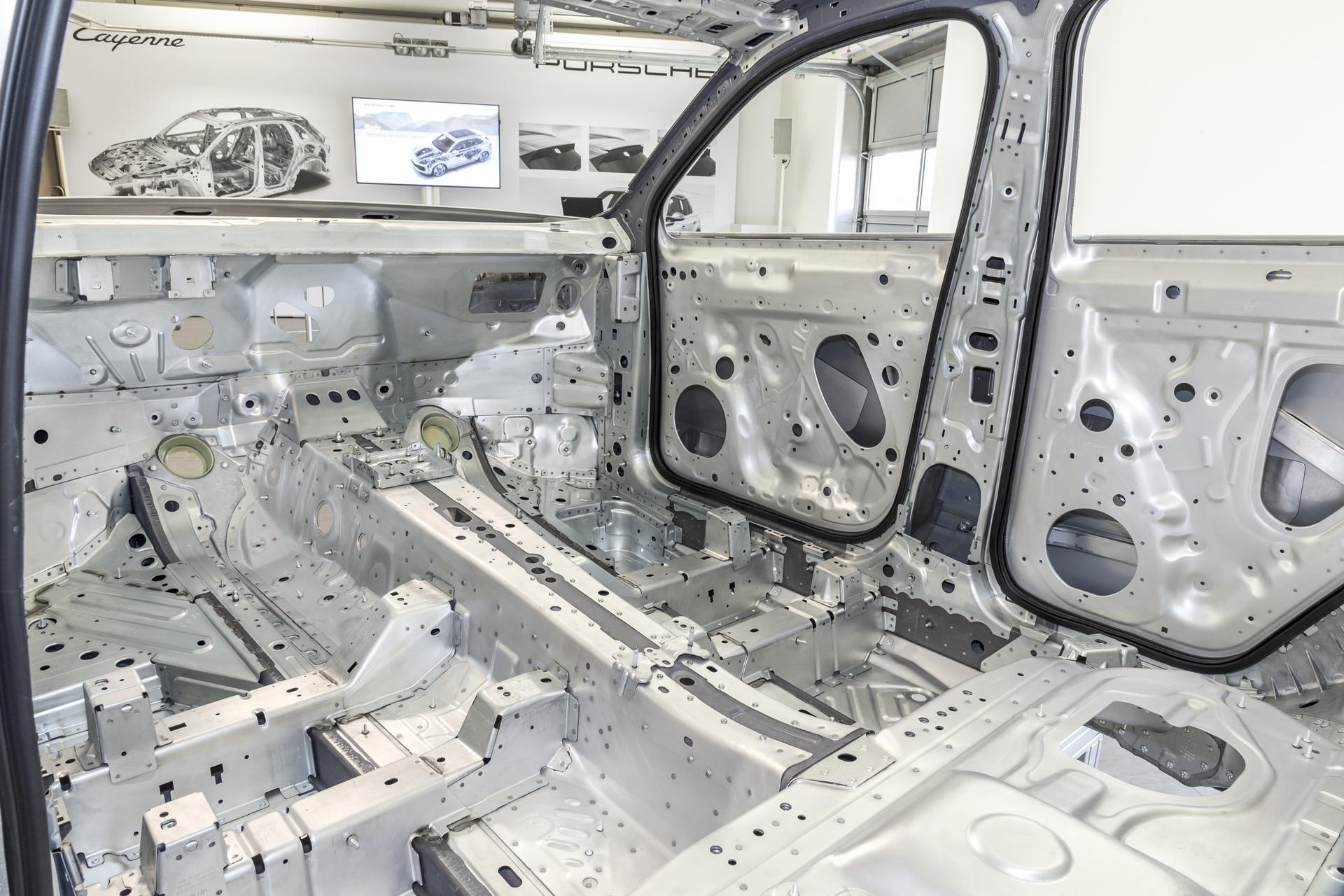 Test_Drive_Porsche_Cayenne_356