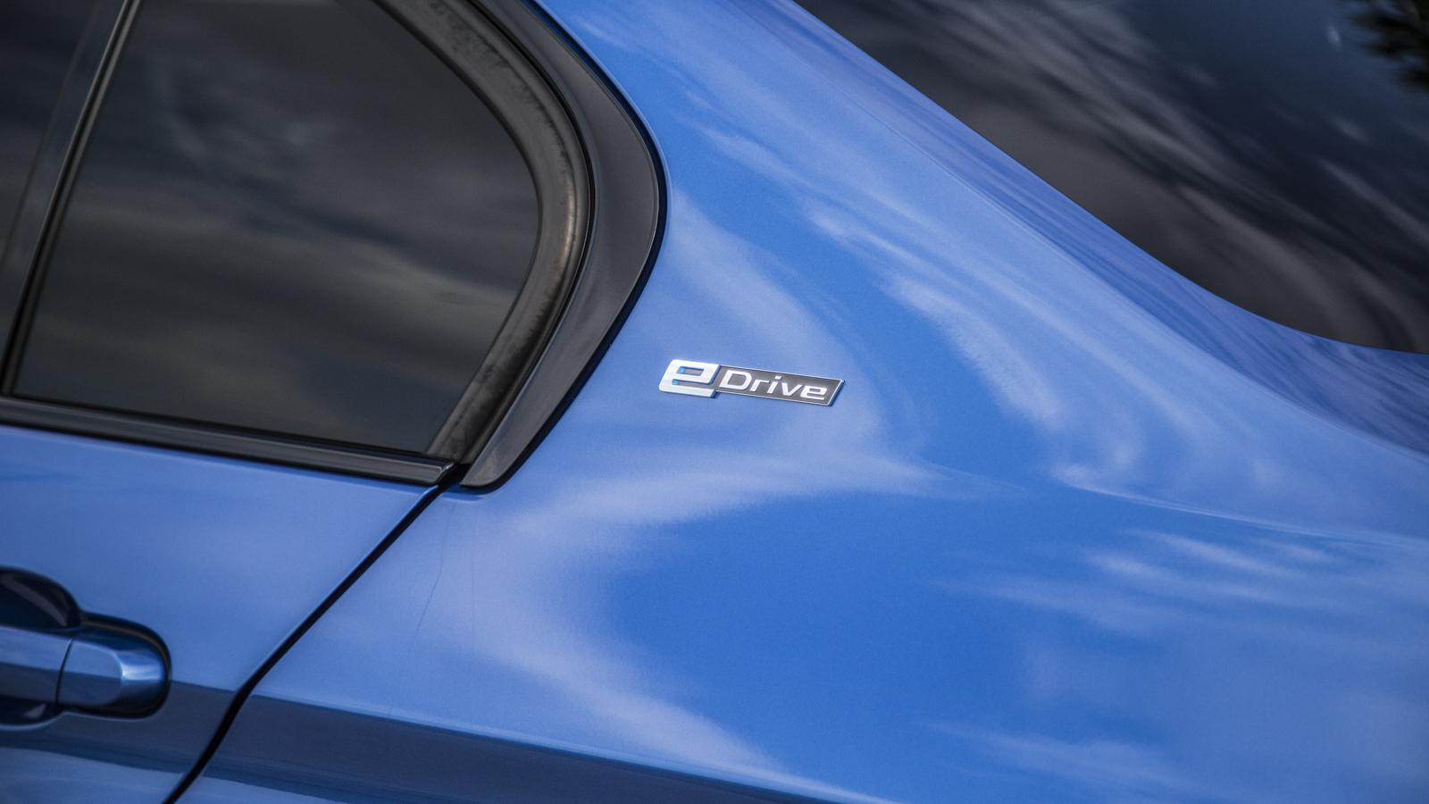 Test_Drive_BMW_330e_02