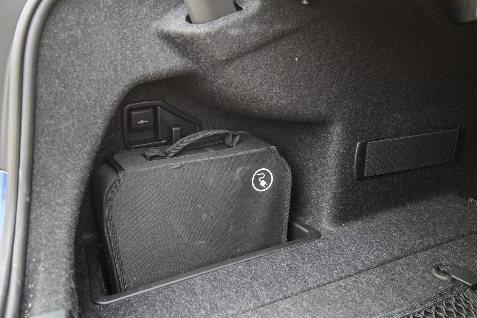 Test_Drive_BMW_330e_37