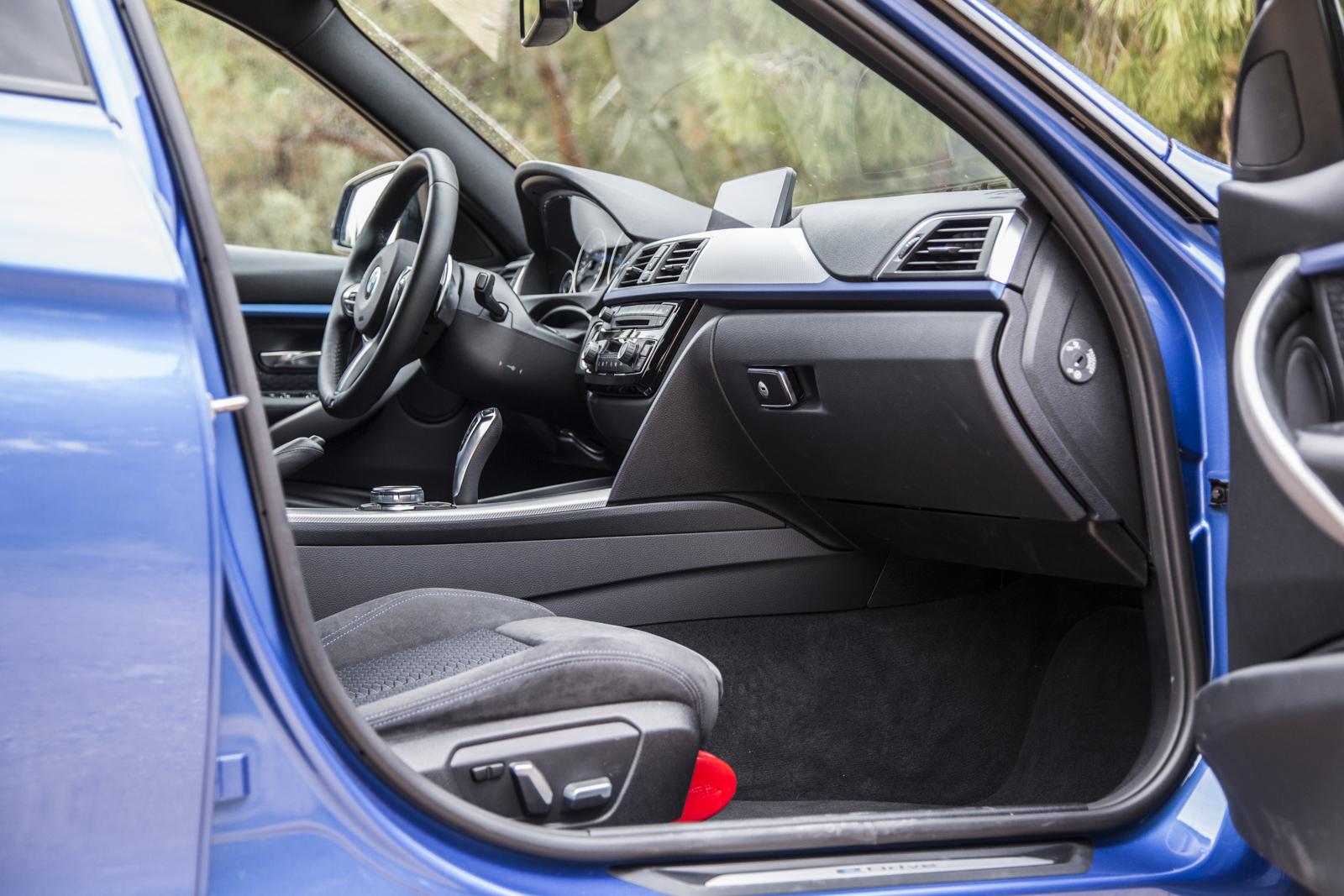 Test_Drive_BMW_330e_43