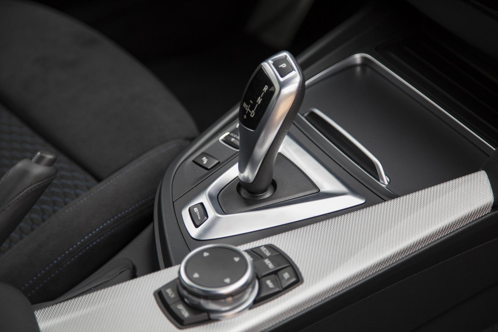 Test_Drive_BMW_330e_45