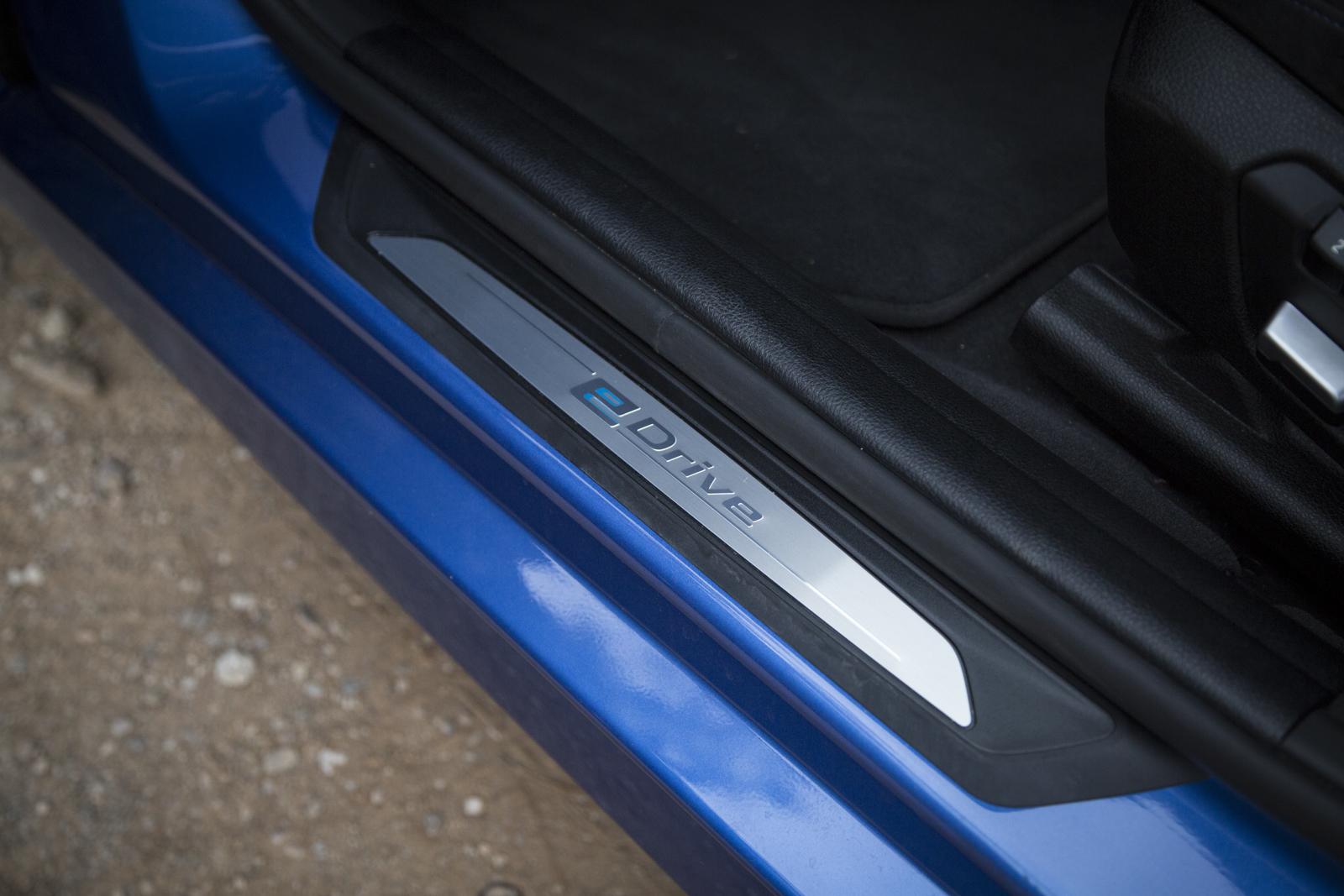 Test_Drive_BMW_330e_49
