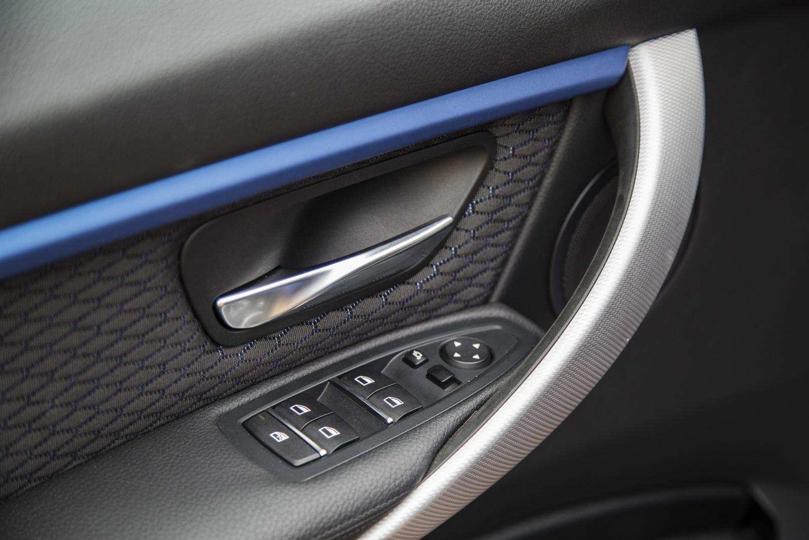 Test_Drive_BMW_330e_51