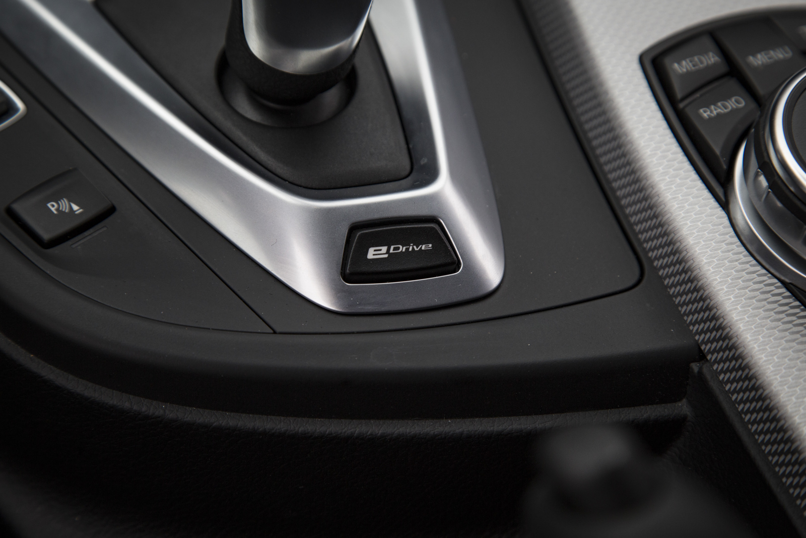Test_Drive_BMW_330e_55