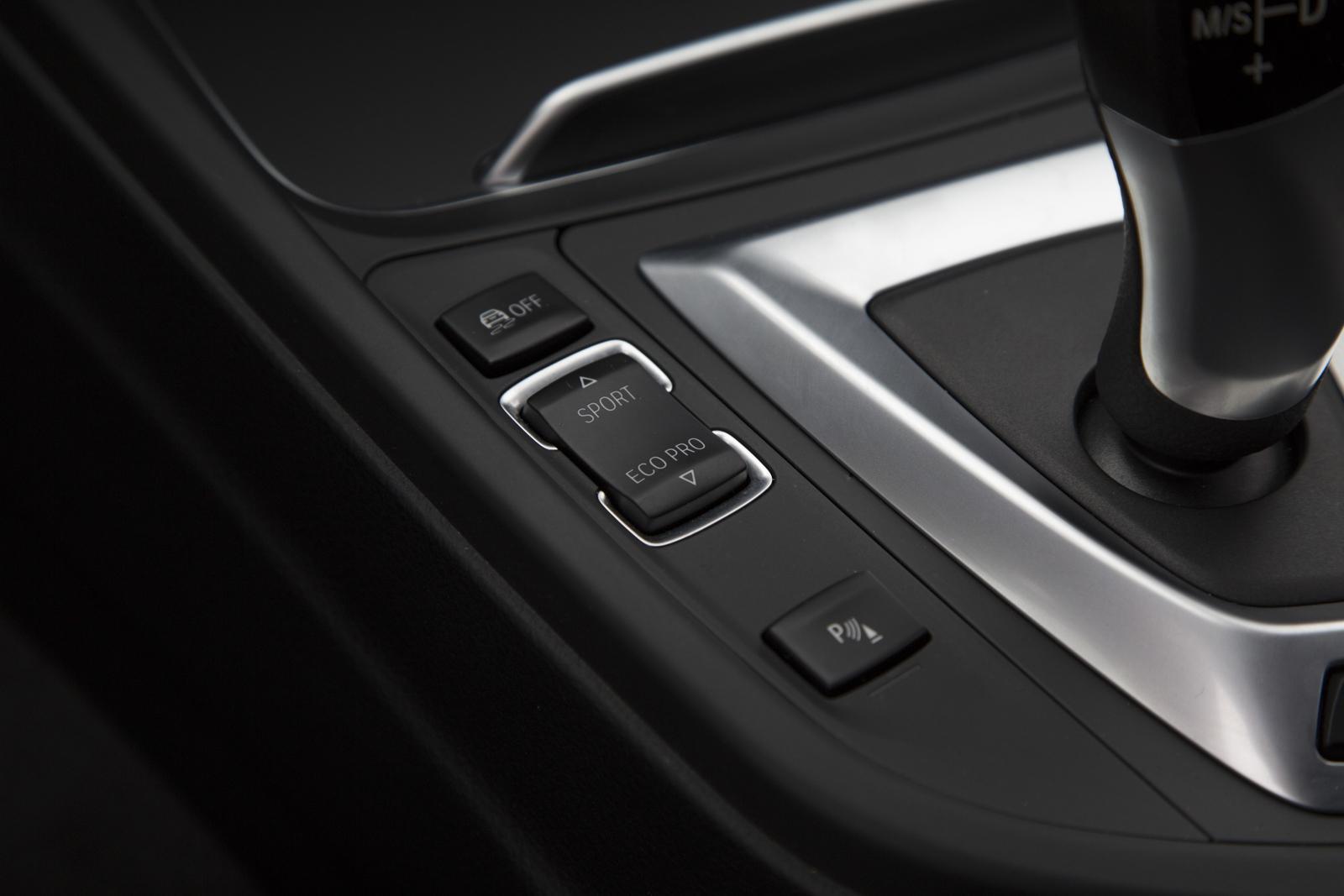 Test_Drive_BMW_330e_56