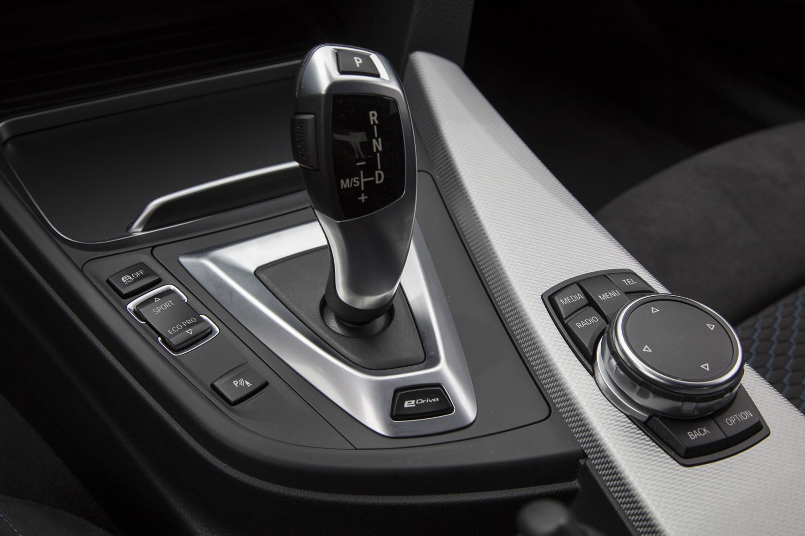 Test_Drive_BMW_330e_57