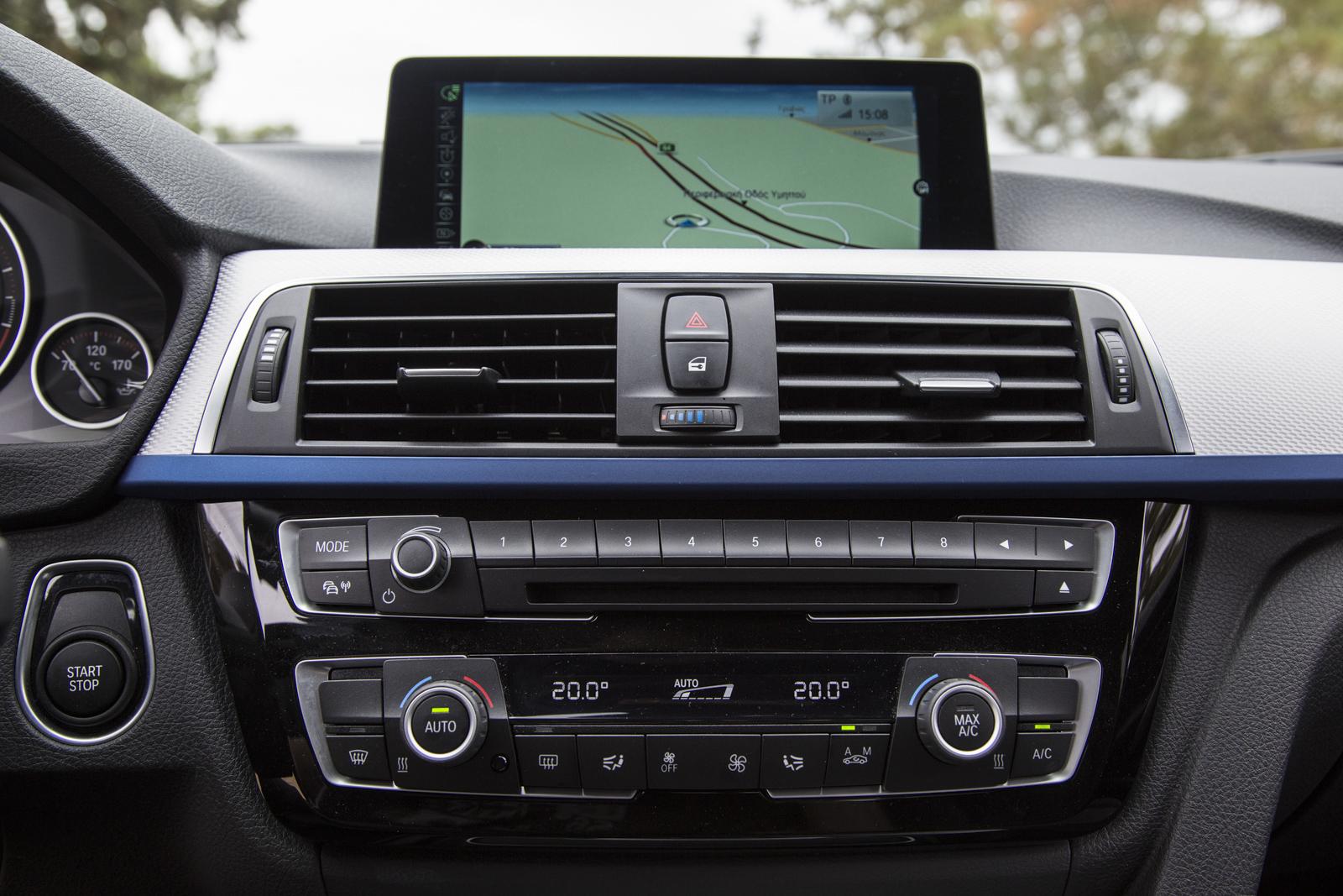 Test_Drive_BMW_330e_58