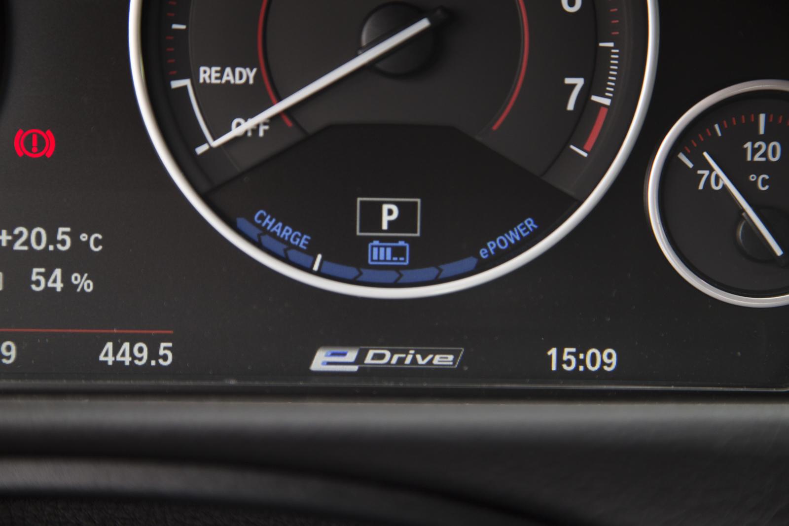 Test_Drive_BMW_330e_63