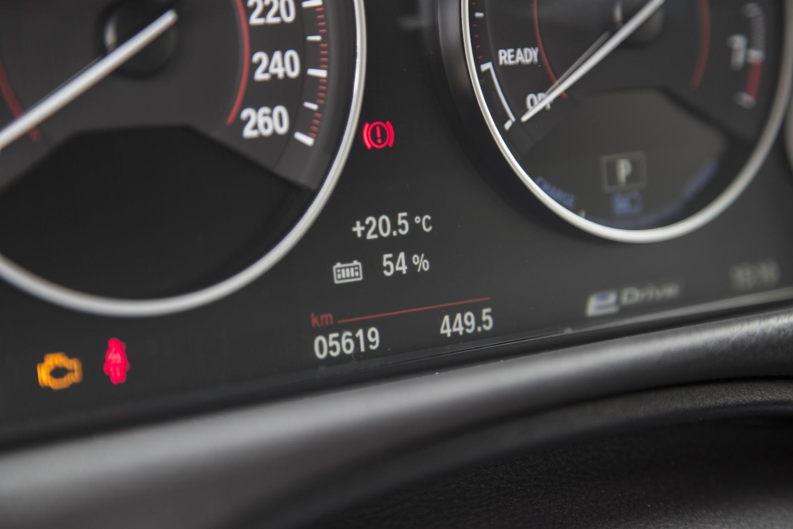 Test_Drive_BMW_330e_64