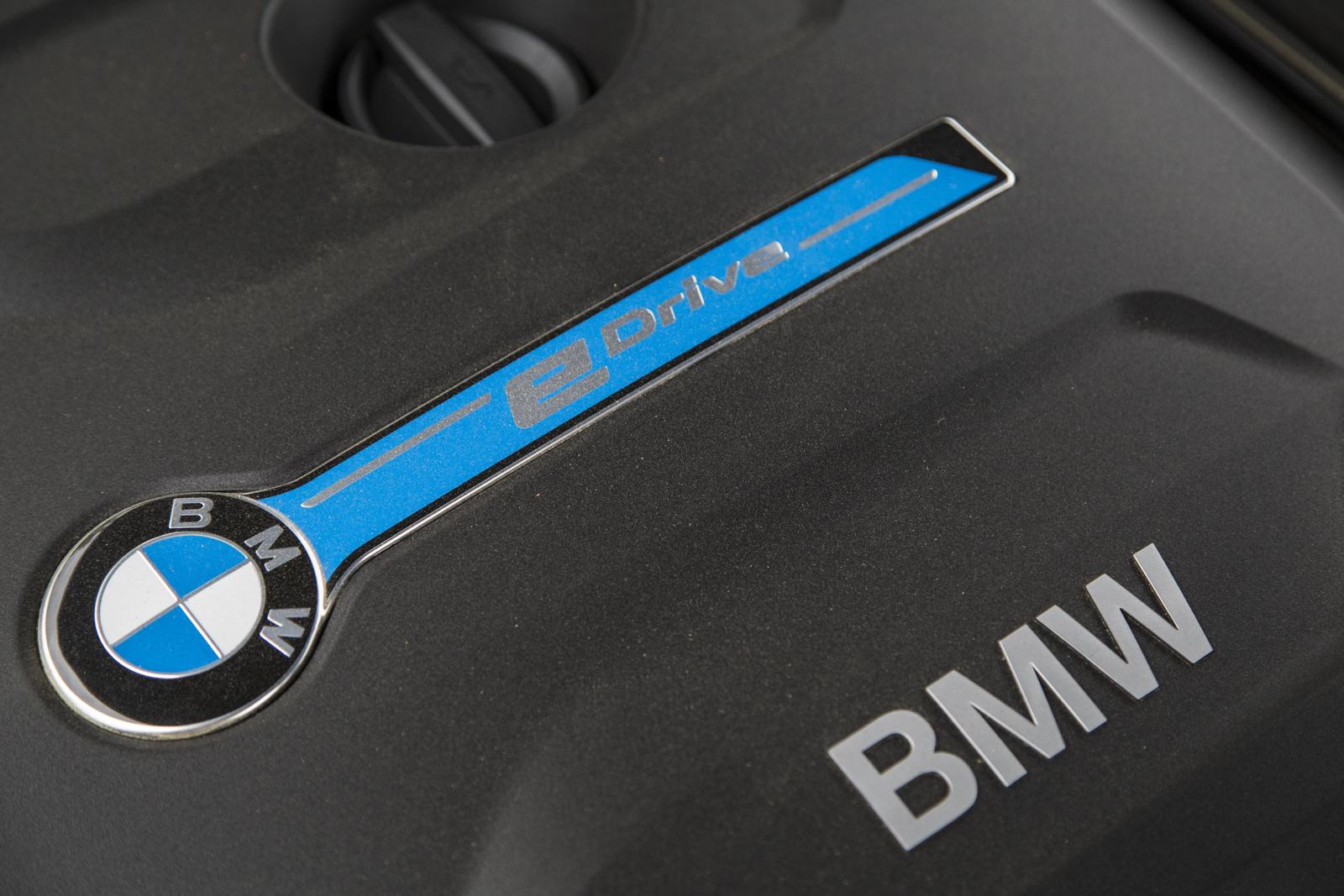 Test_Drive_BMW_330e_71