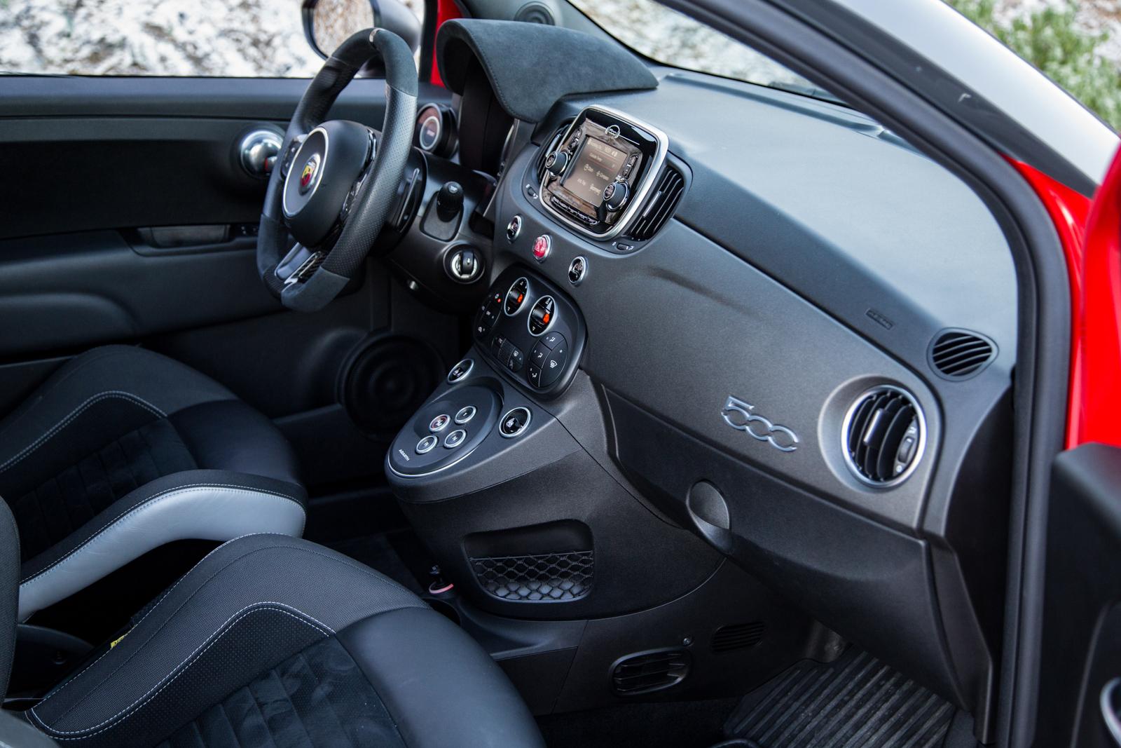 Test_Drive_Abarth_595_Competizione_facelift_46