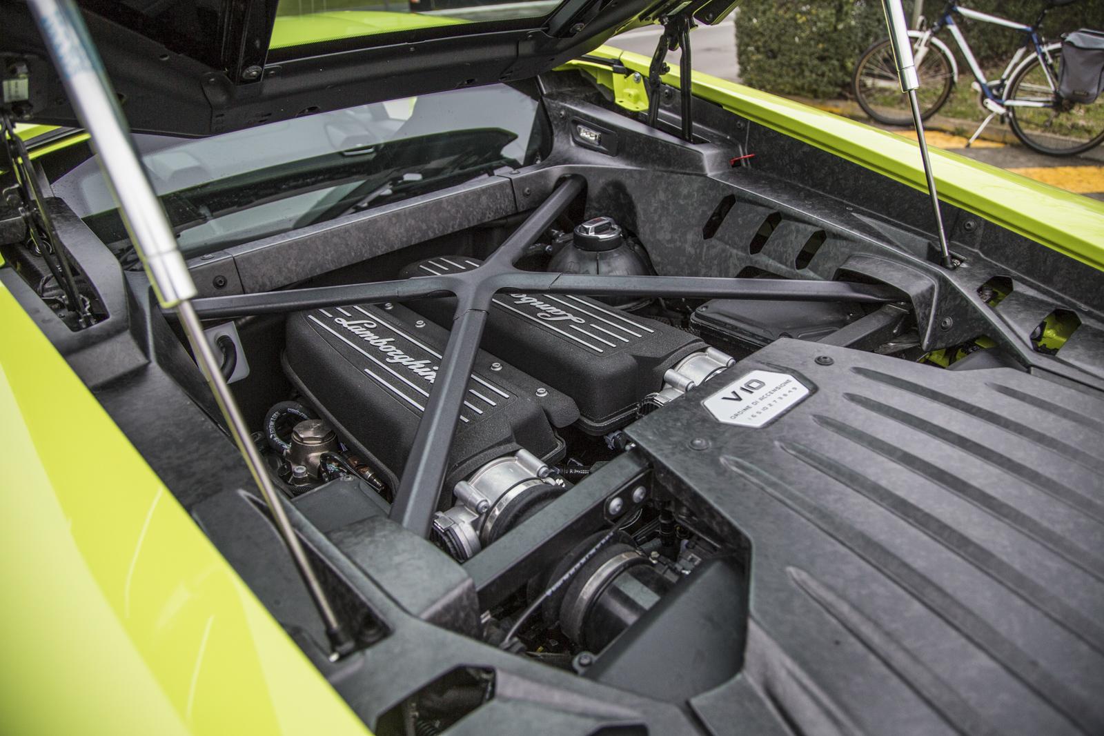 Test_Drive_Lamborghini_Huracan_LP610-4_54