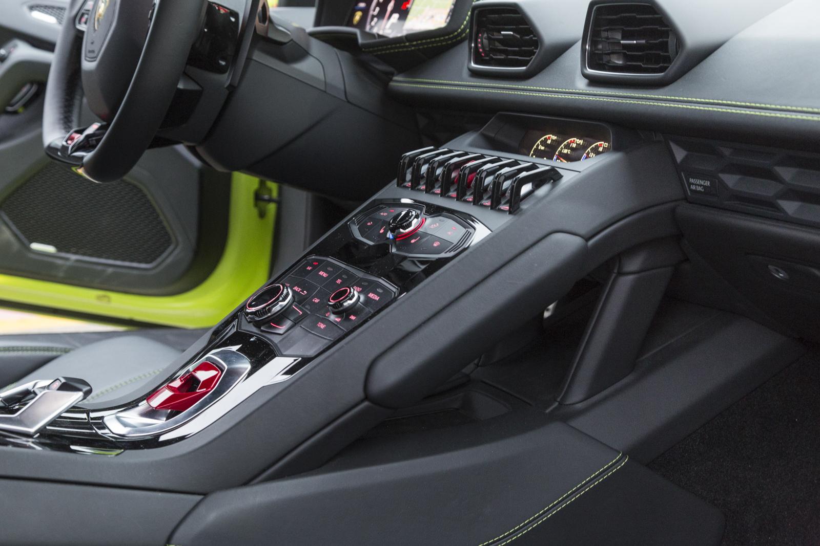 Test_Drive_Lamborghini_Huracan_LP610-4_80