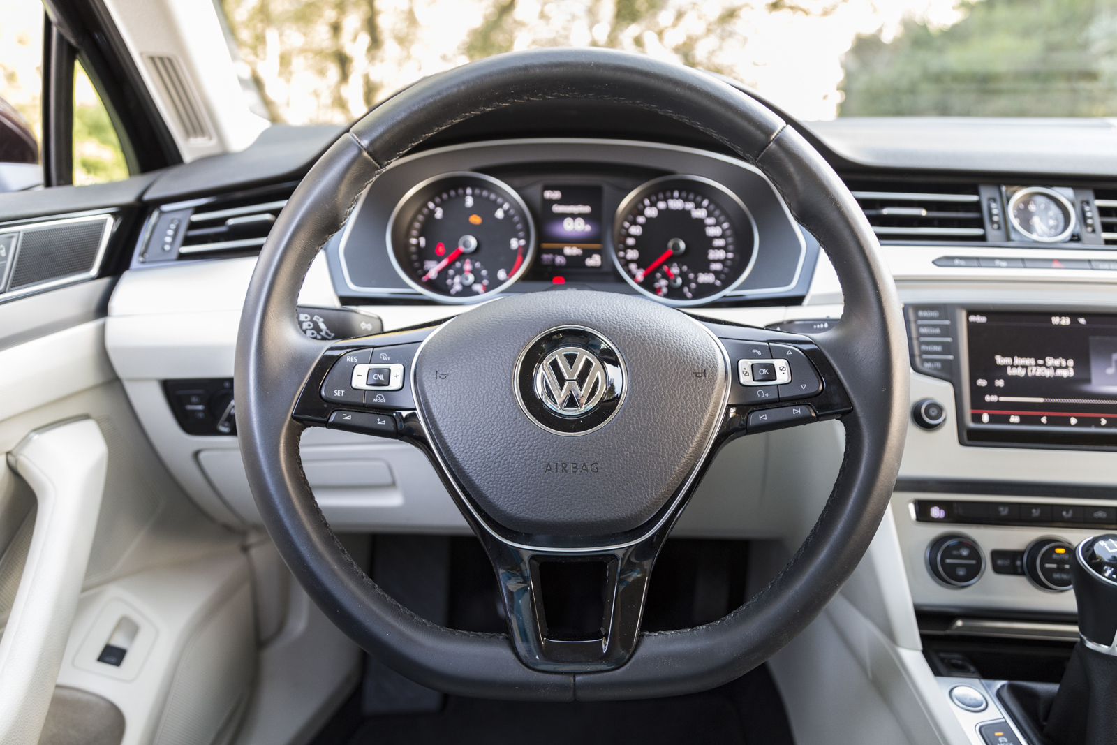 Test_Drive_VW_Passat_1.6_TDI_47
