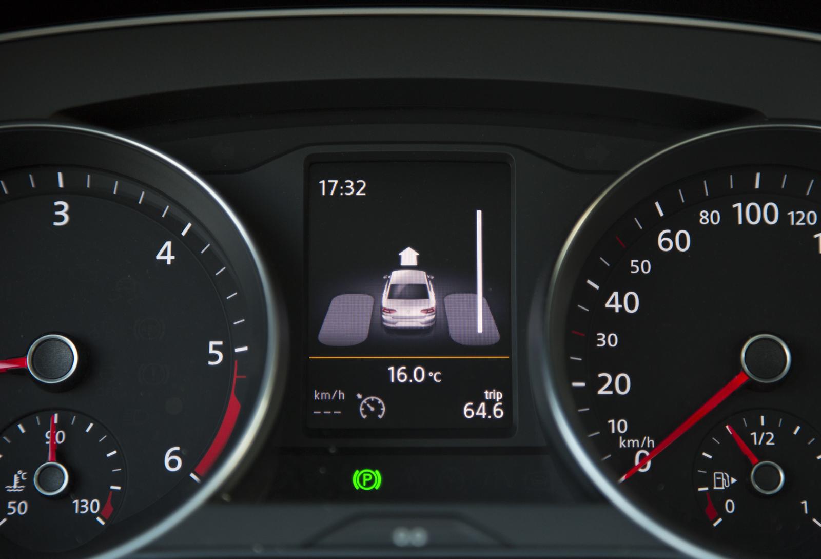 Test_Drive_VW_Passat_1.6_TDI_55