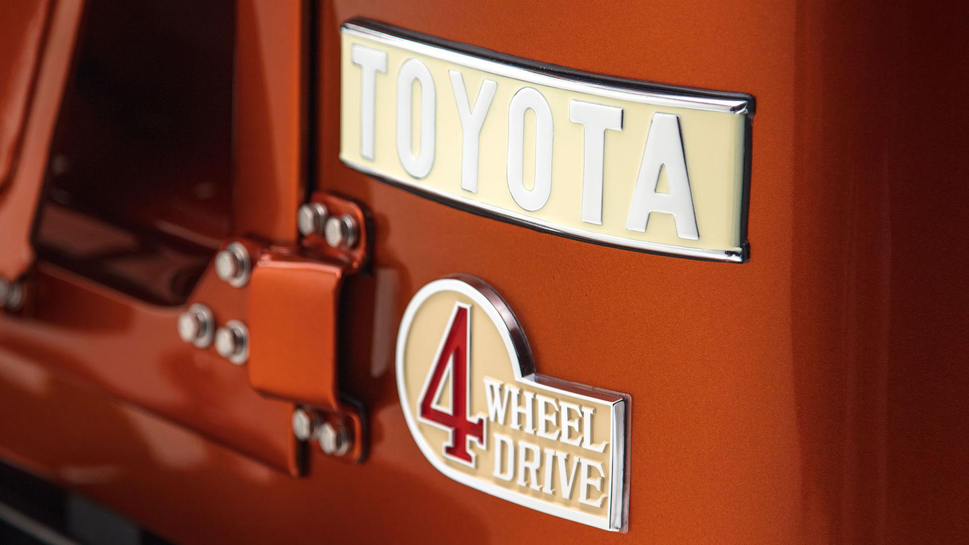 Toyota FJ40 Land Cruiser Resto-mod 1972 (10)