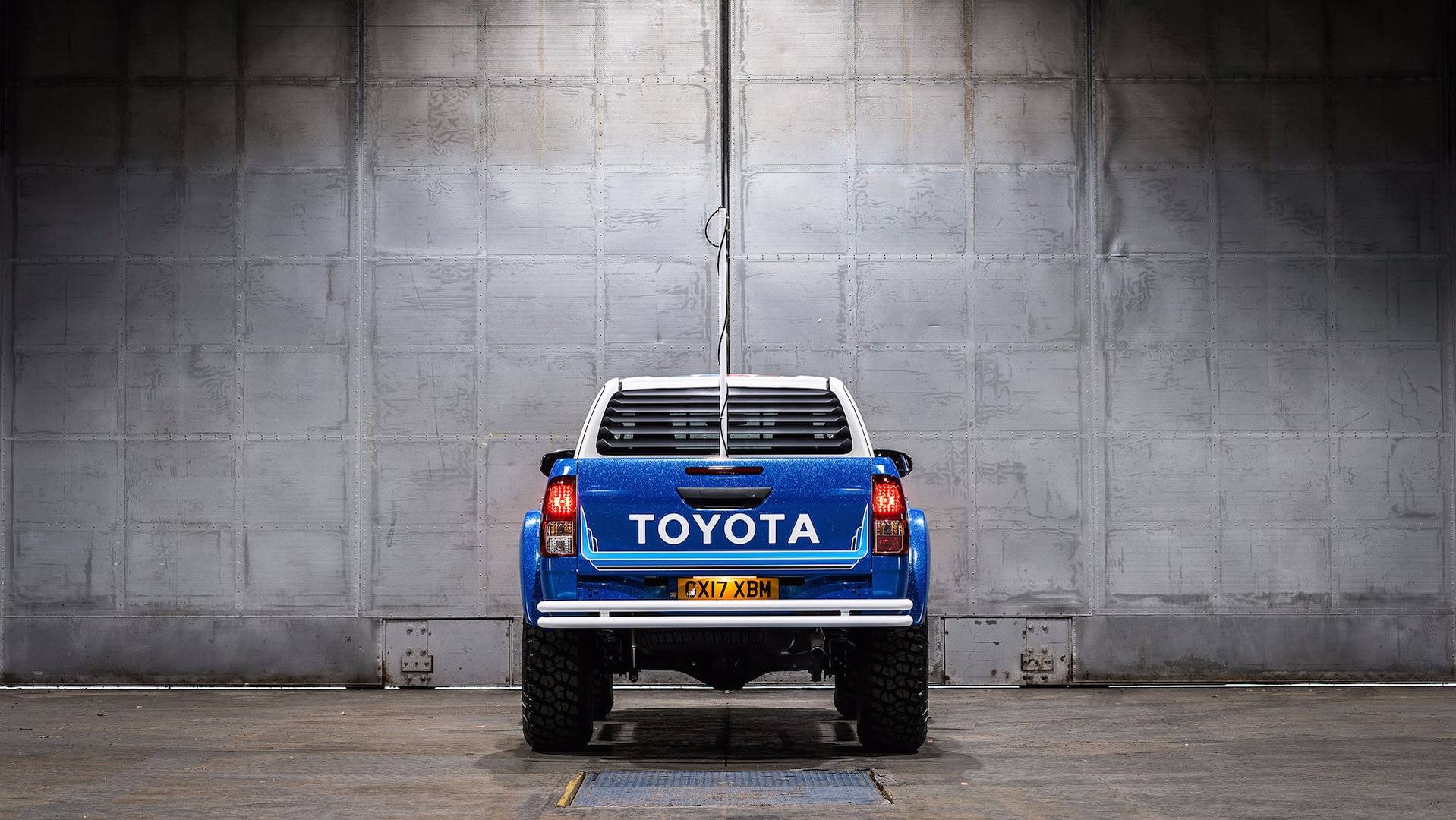 Toyota_Hilux_Bruiser_03