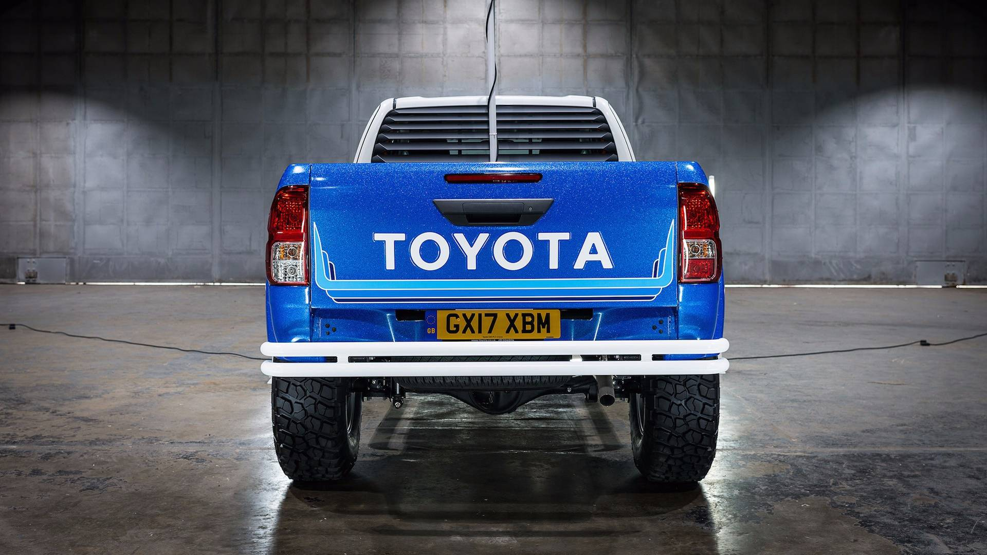 Toyota_Hilux_Bruiser_05