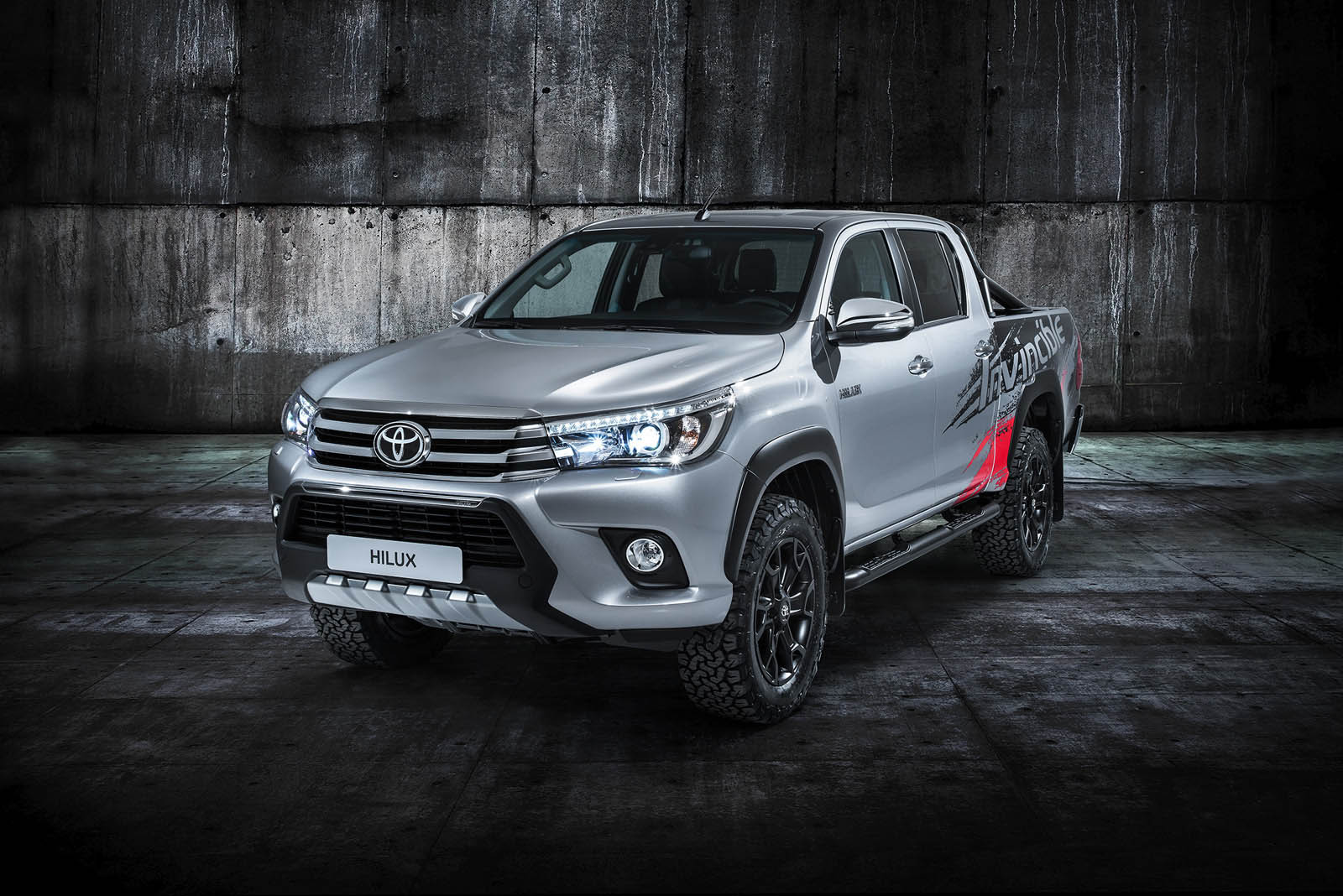 Toyota Hilux Invincible (1)