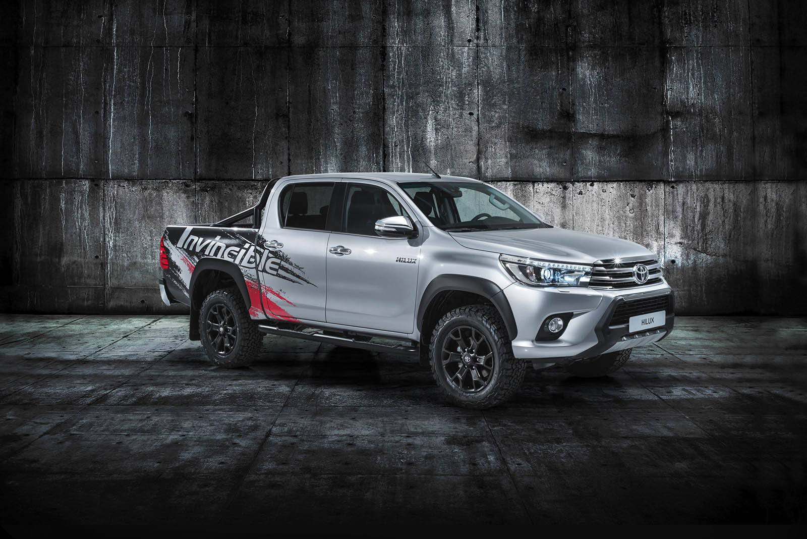 Toyota Hilux Invincible (2)