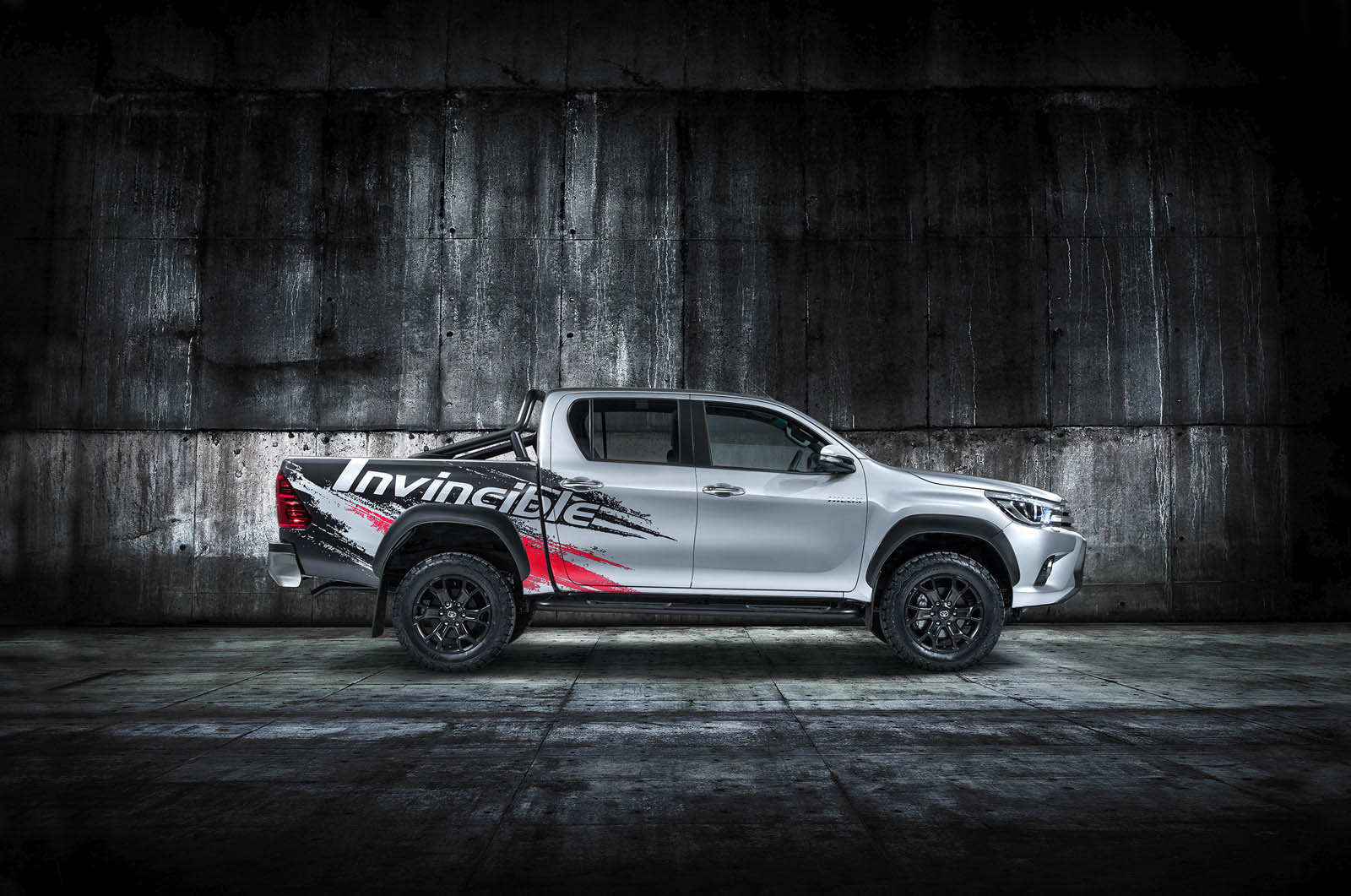 Toyota Hilux Invincible (3)