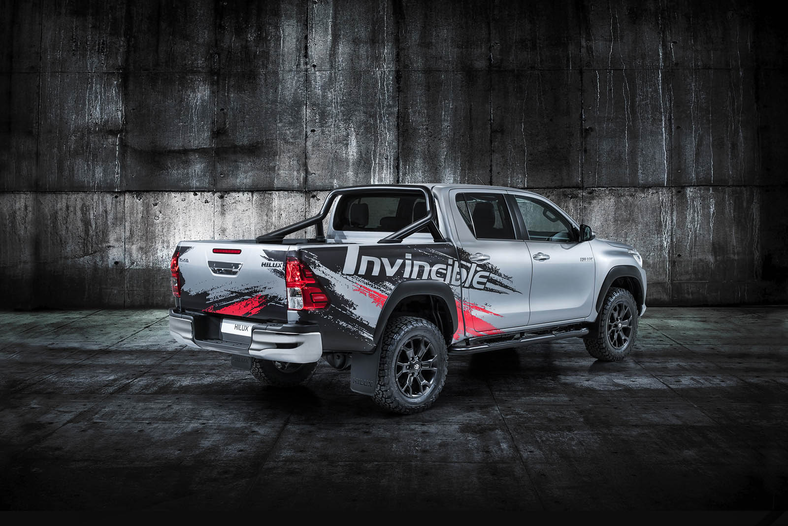Toyota Hilux Invincible (4)