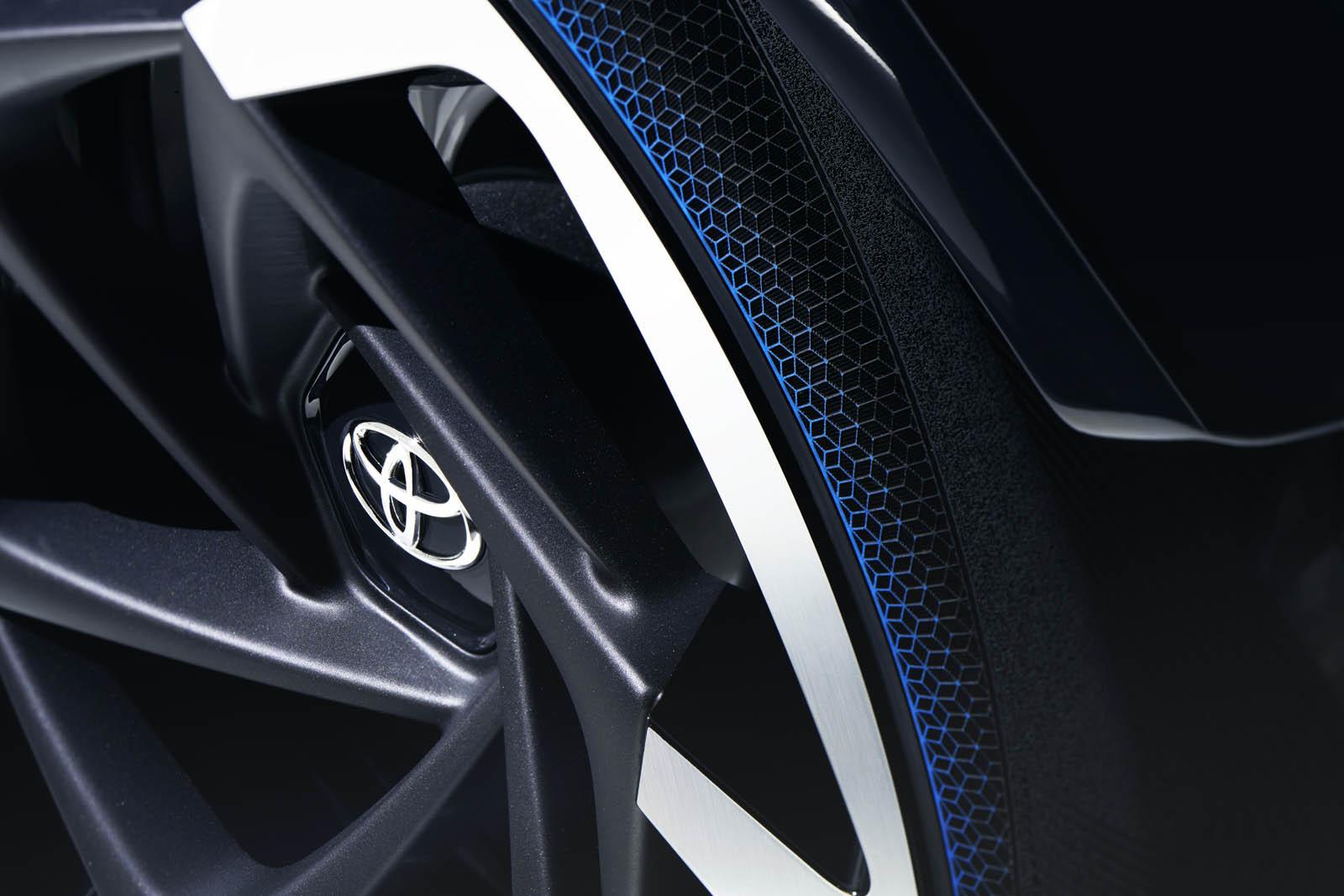 2017_Toyota_Concept_i-Tril_ExteriorDet_01 copy