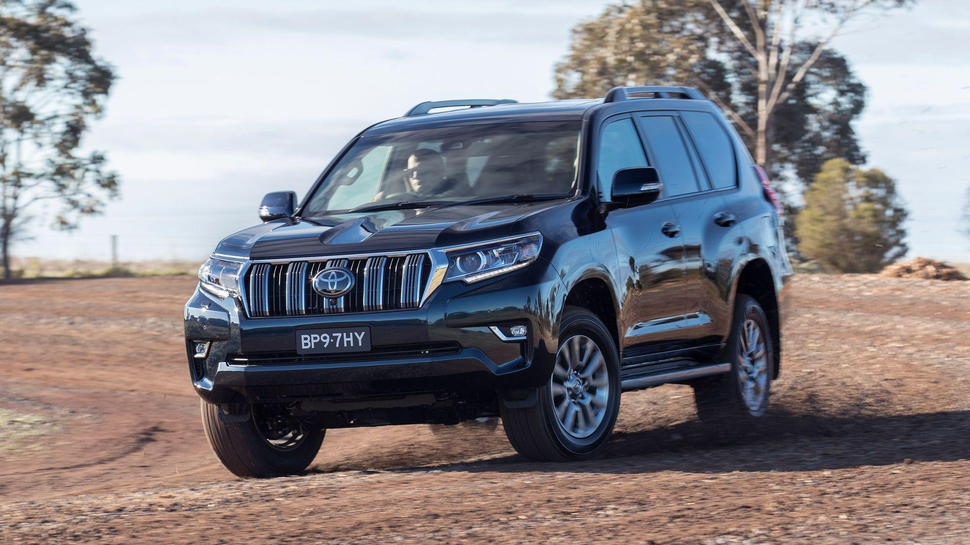 2018-toyota-land-cruiser-australia-official-image