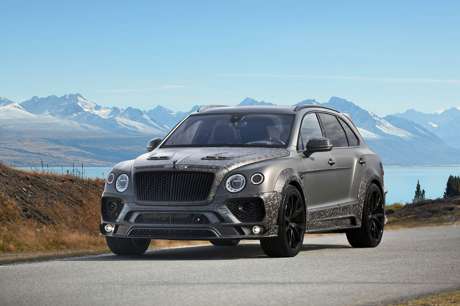 MANSORY_Bentayga_Black_Edition_01
