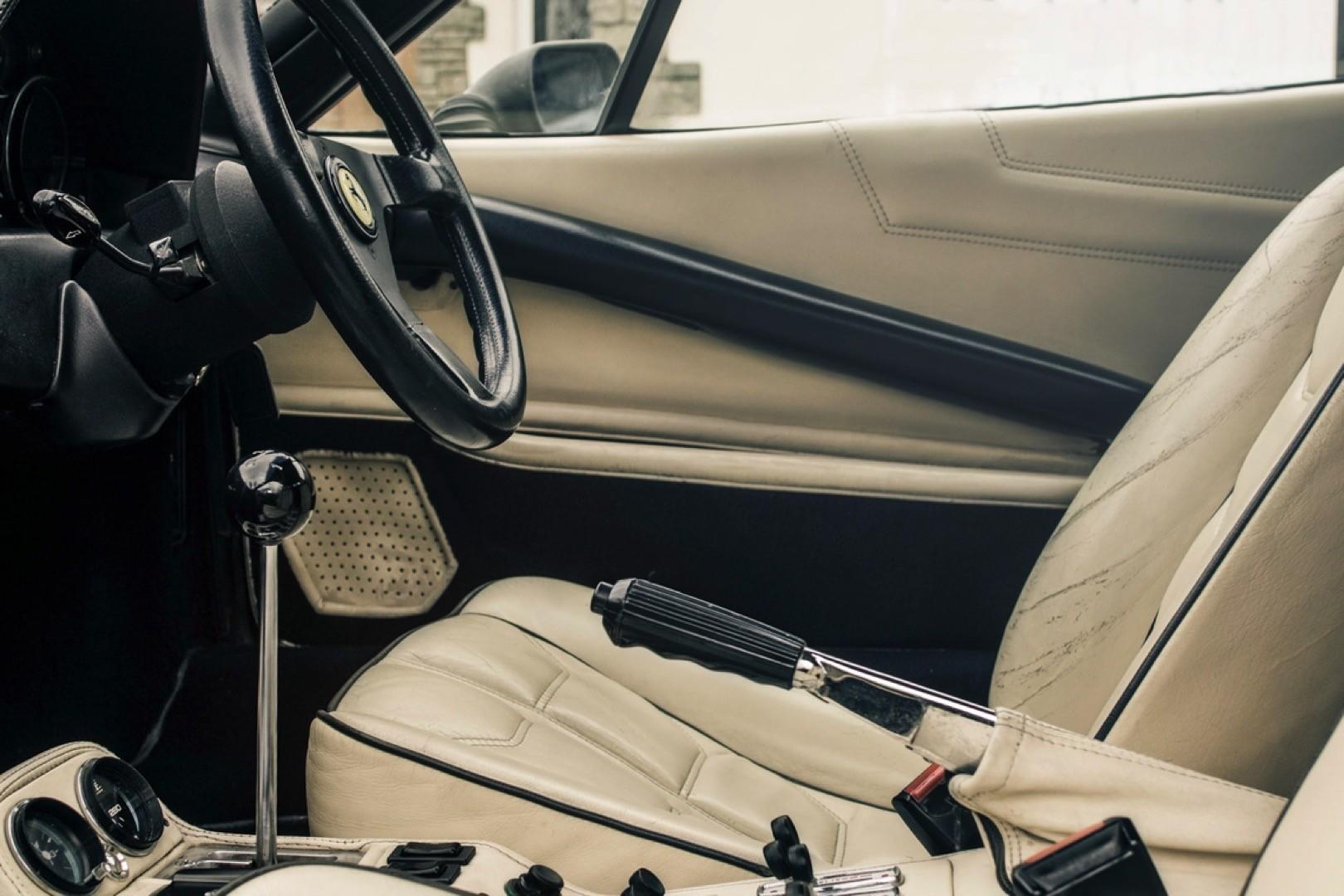 v12-engined-ferrari-308-gts 8