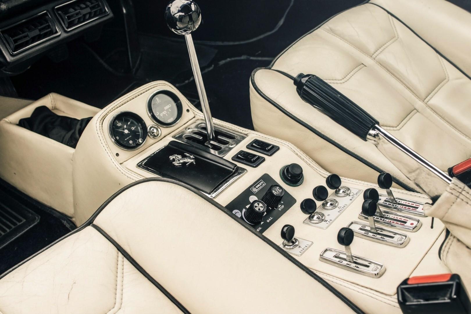 v12-engined-ferrari-308-gts 9