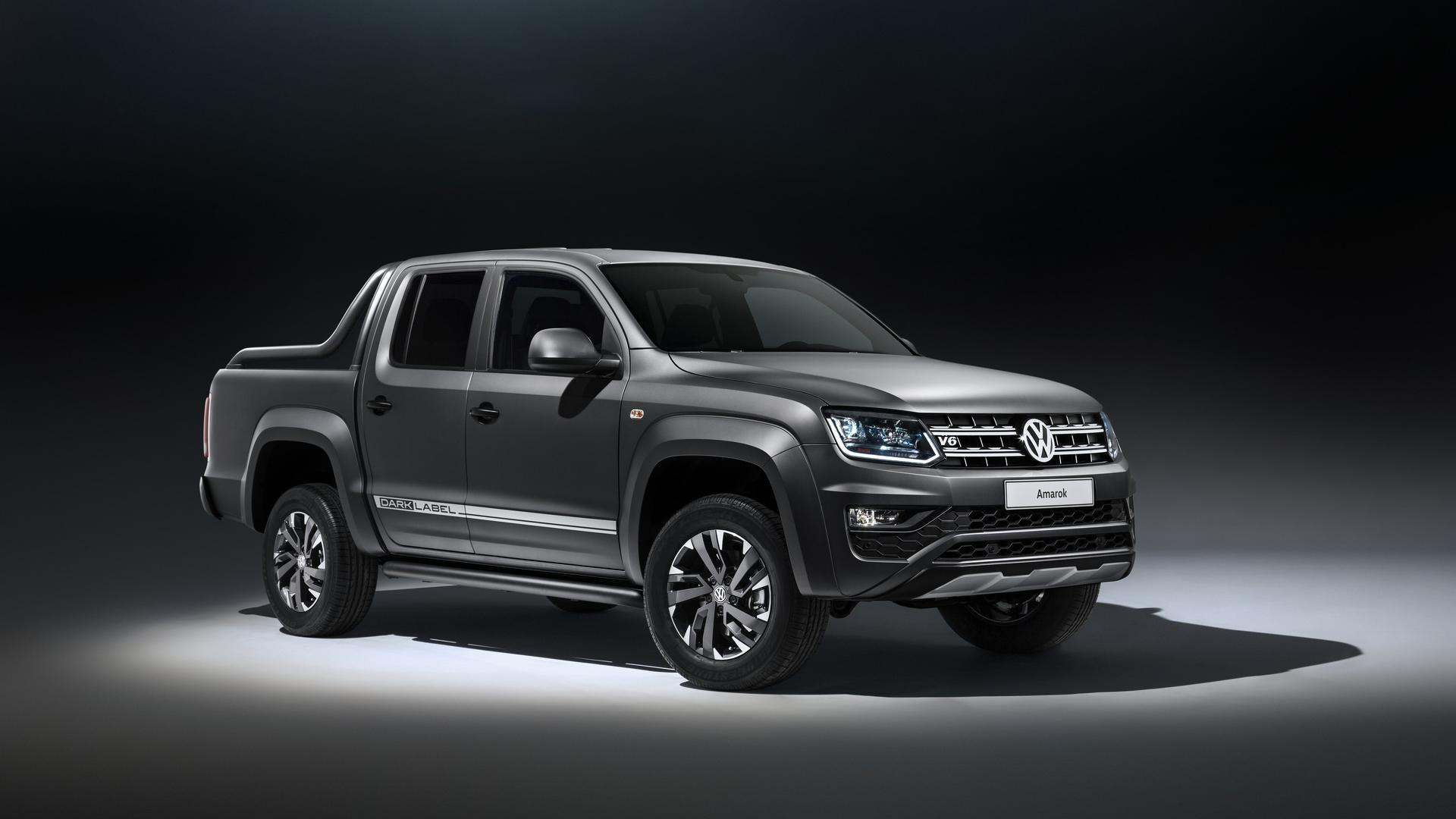 Volkswagen Amarok Aventura Exclusive Concept and Amarok Dark Label Special Edition (5)