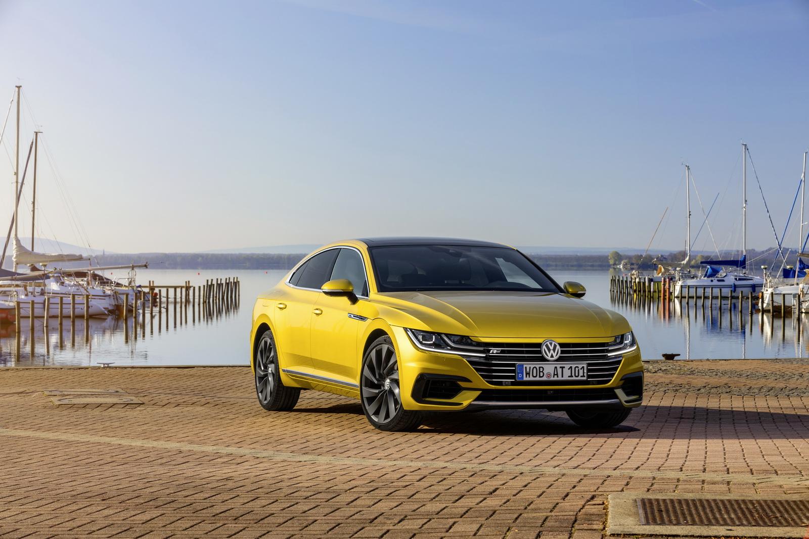 Volkswagen Arteon 2018 (1)