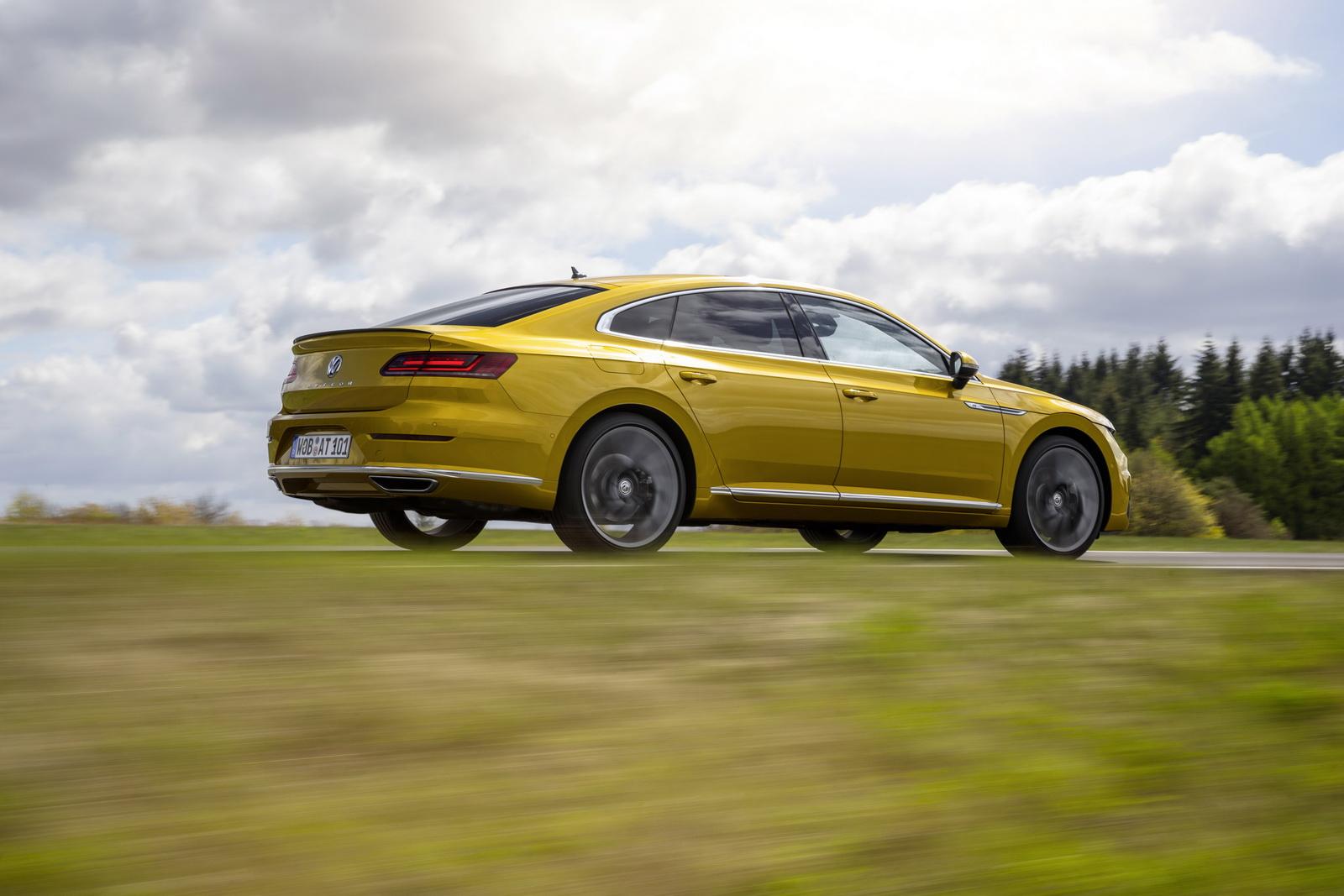 Volkswagen Arteon 2018 (10)