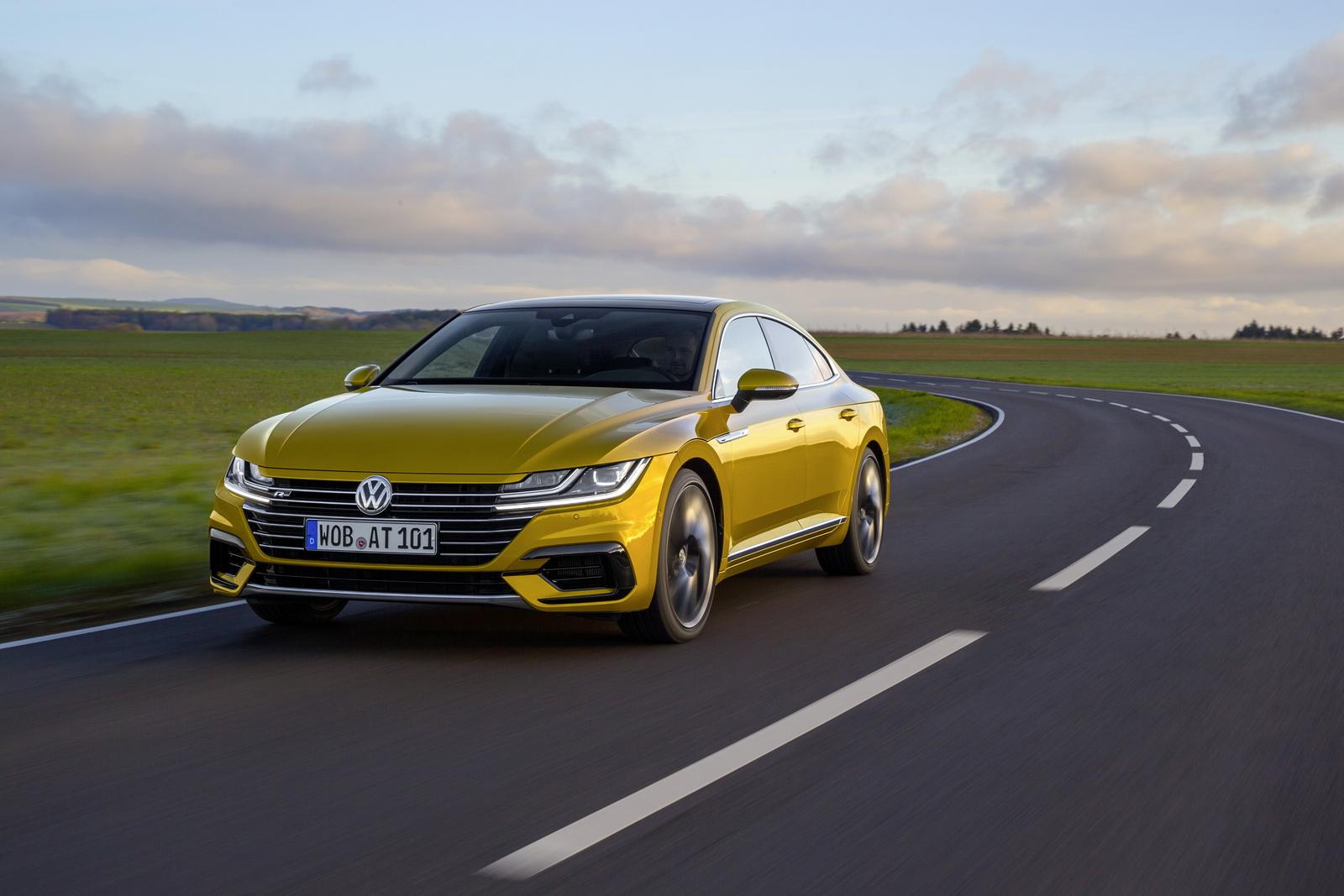 Volkswagen Arteon 2018 (11)