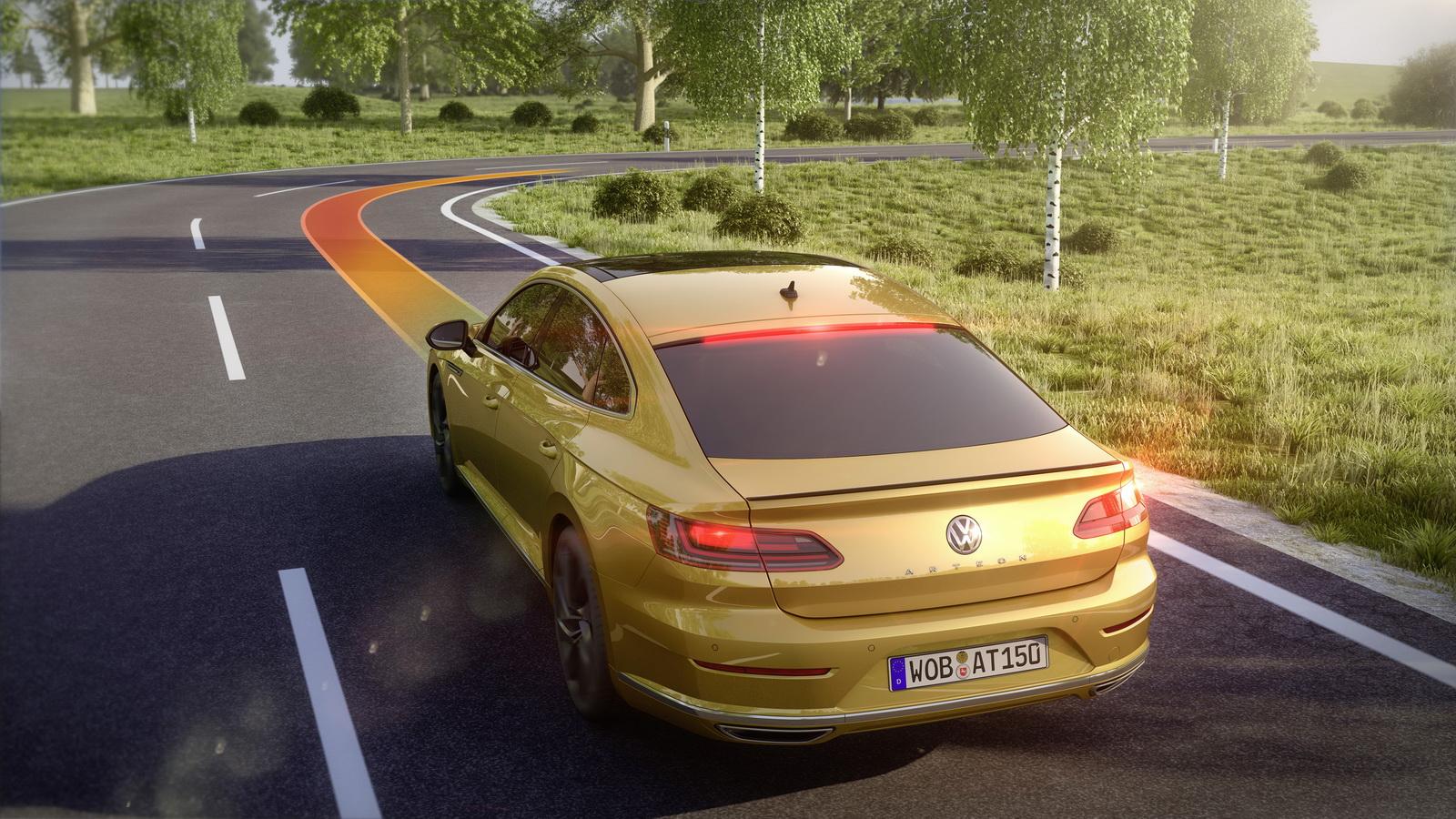 Volkswagen Arteon 2018 (28)