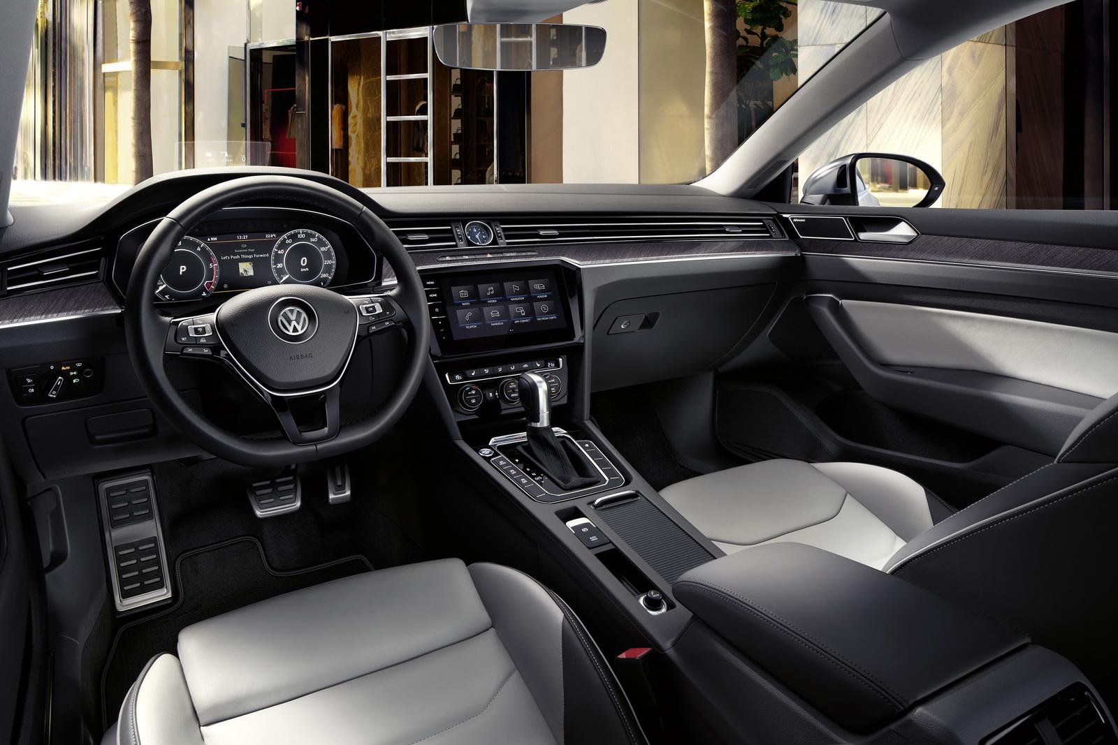 Volkswagen Arteon 2018 (29)