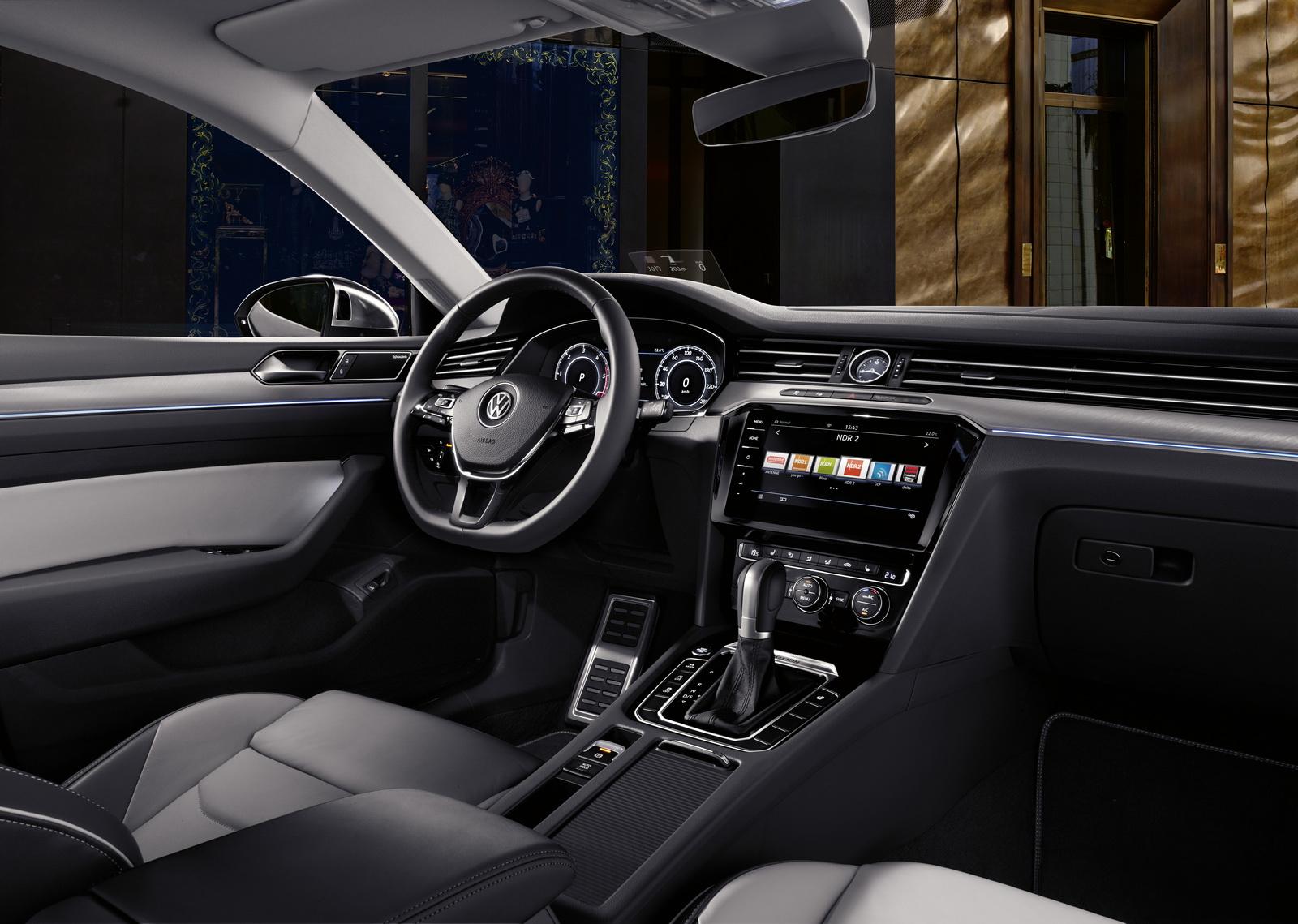 Volkswagen Arteon 2018 (31)