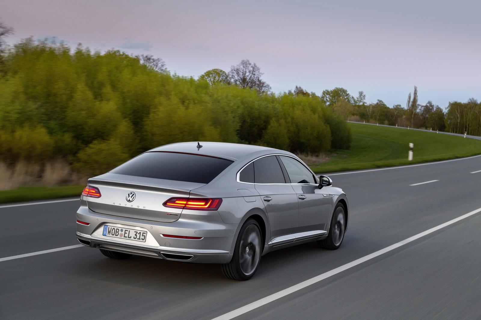 Volkswagen Arteon 2018 (44)