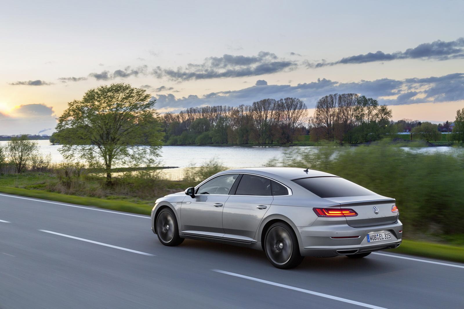 Volkswagen Arteon 2018 (45)