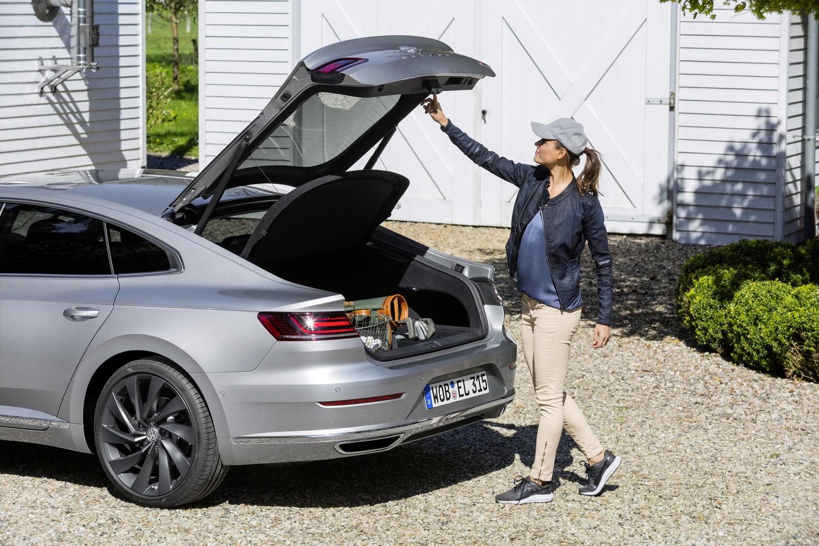 Volkswagen Arteon 2018 (46)
