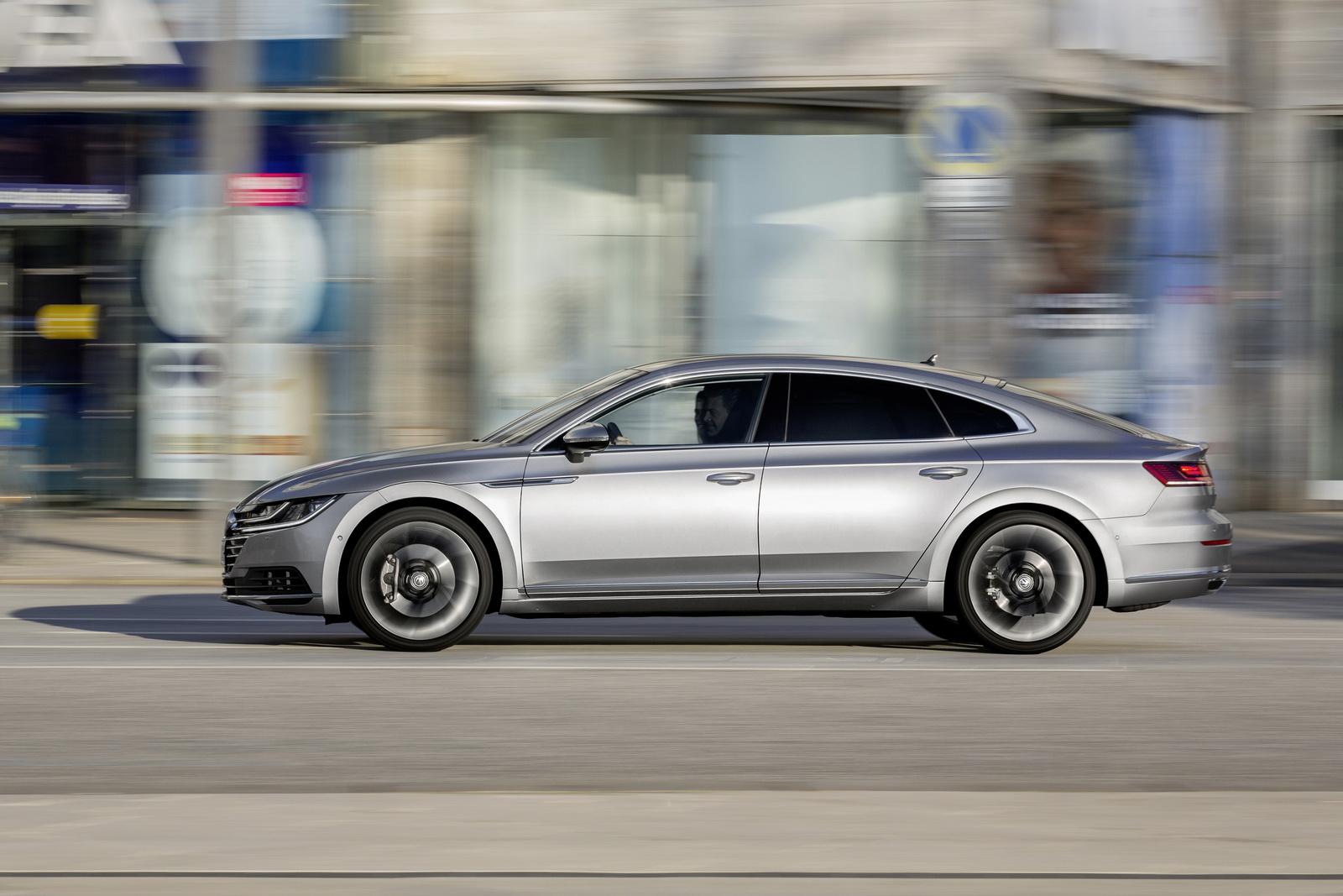Volkswagen Arteon 2018 (47)