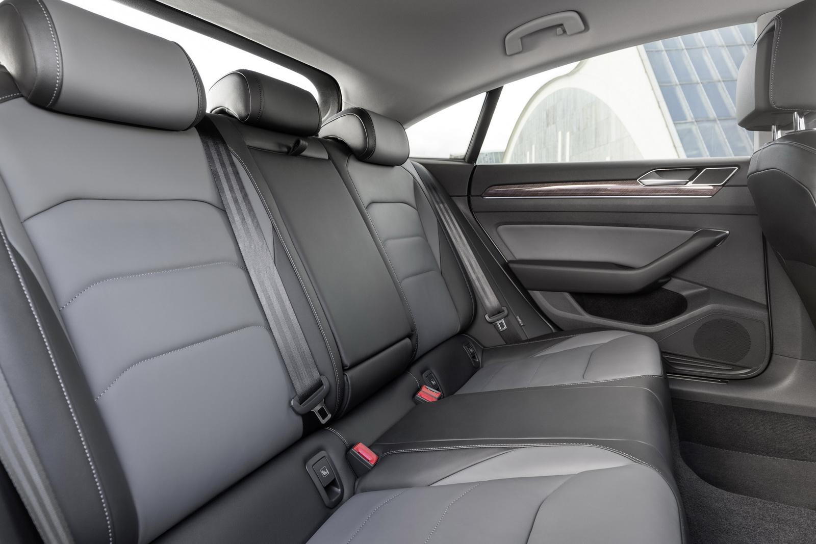 Volkswagen Arteon 2018 (82)