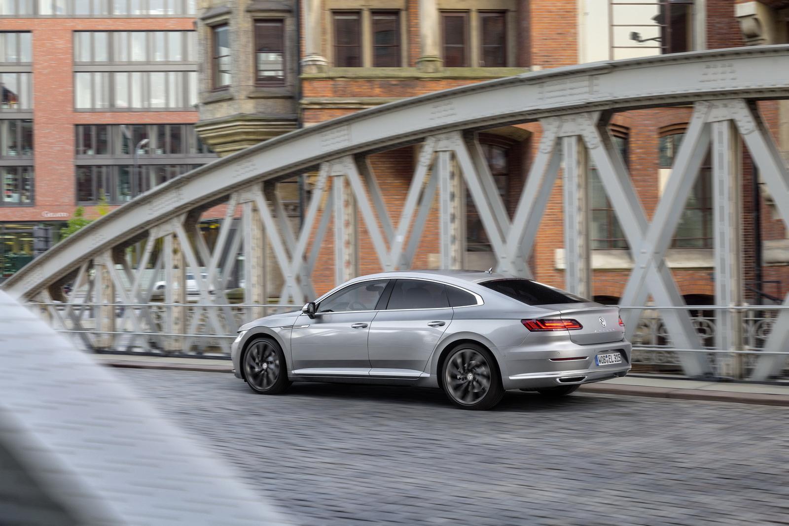 Volkswagen Arteon 2018 (88)