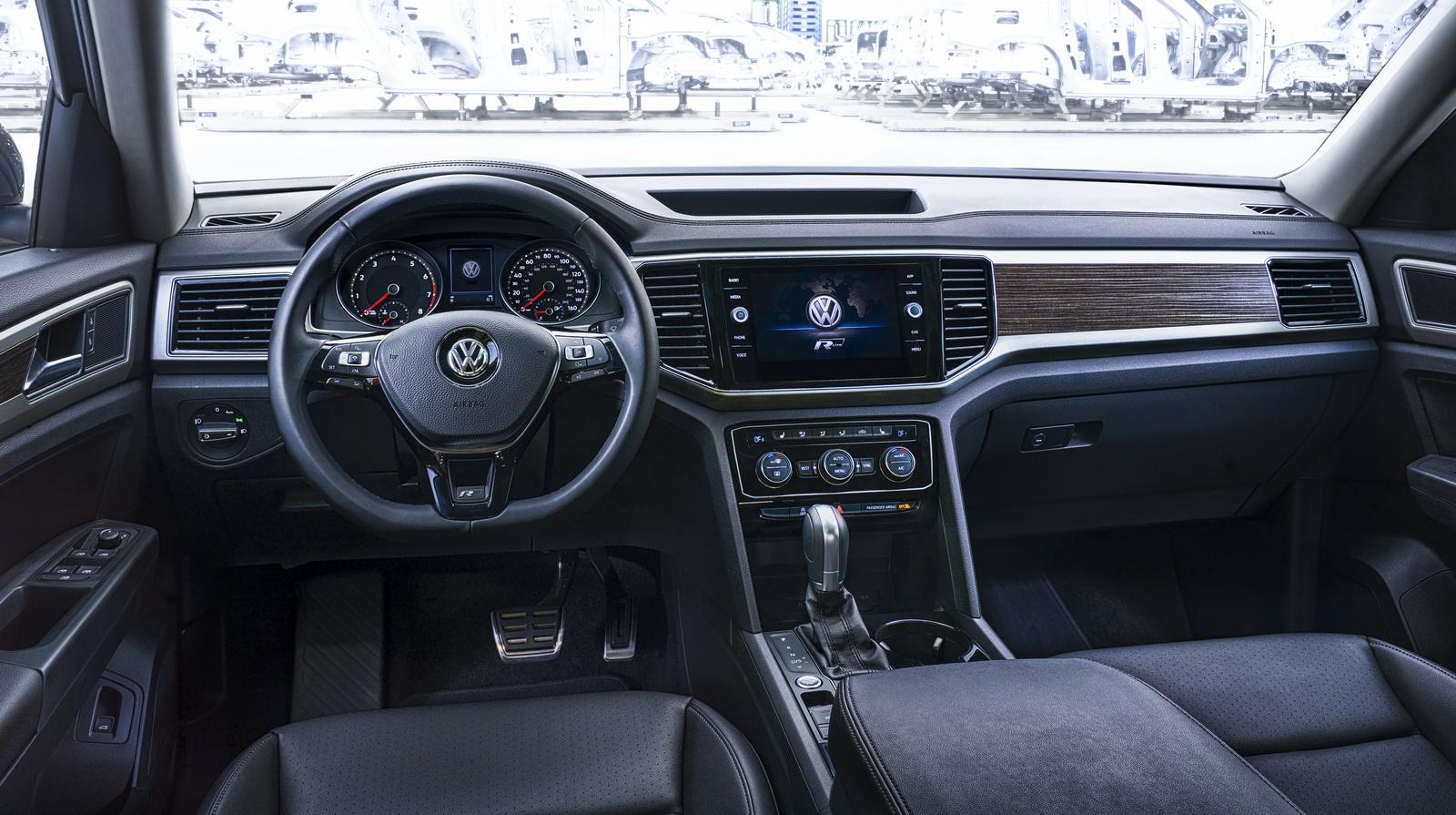 Volkswagen Atlas R-Line (14)