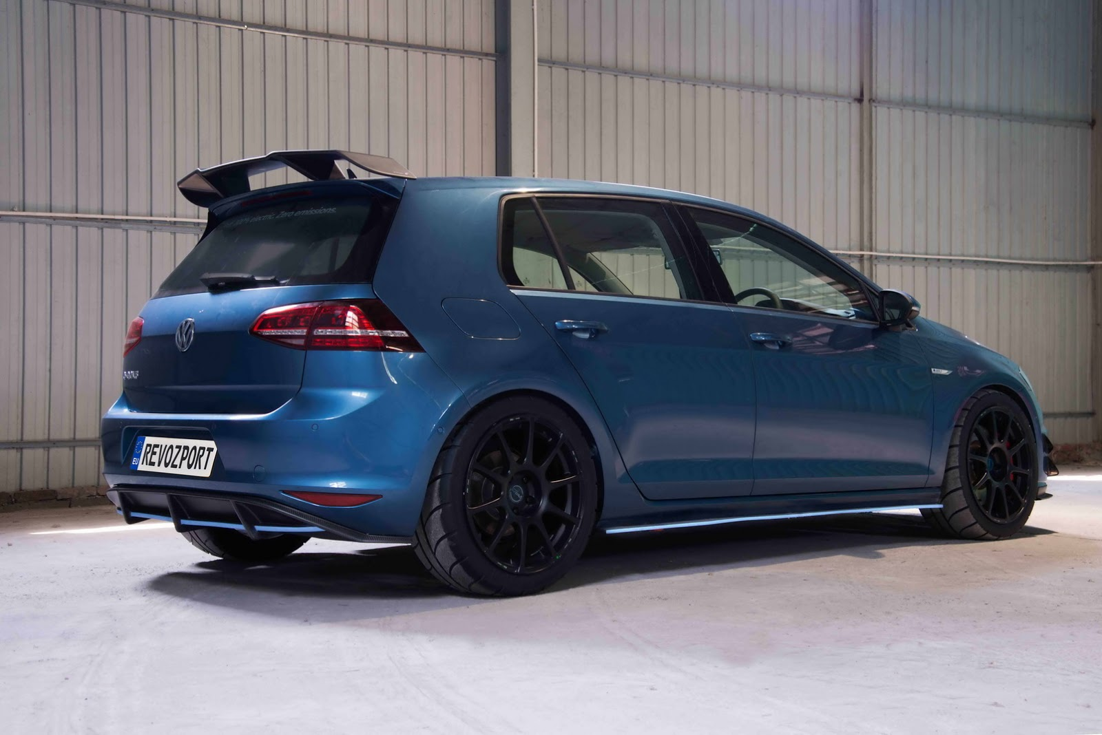 Volkswagen_e-Golf_Razor_7E_by_RevoZport_20