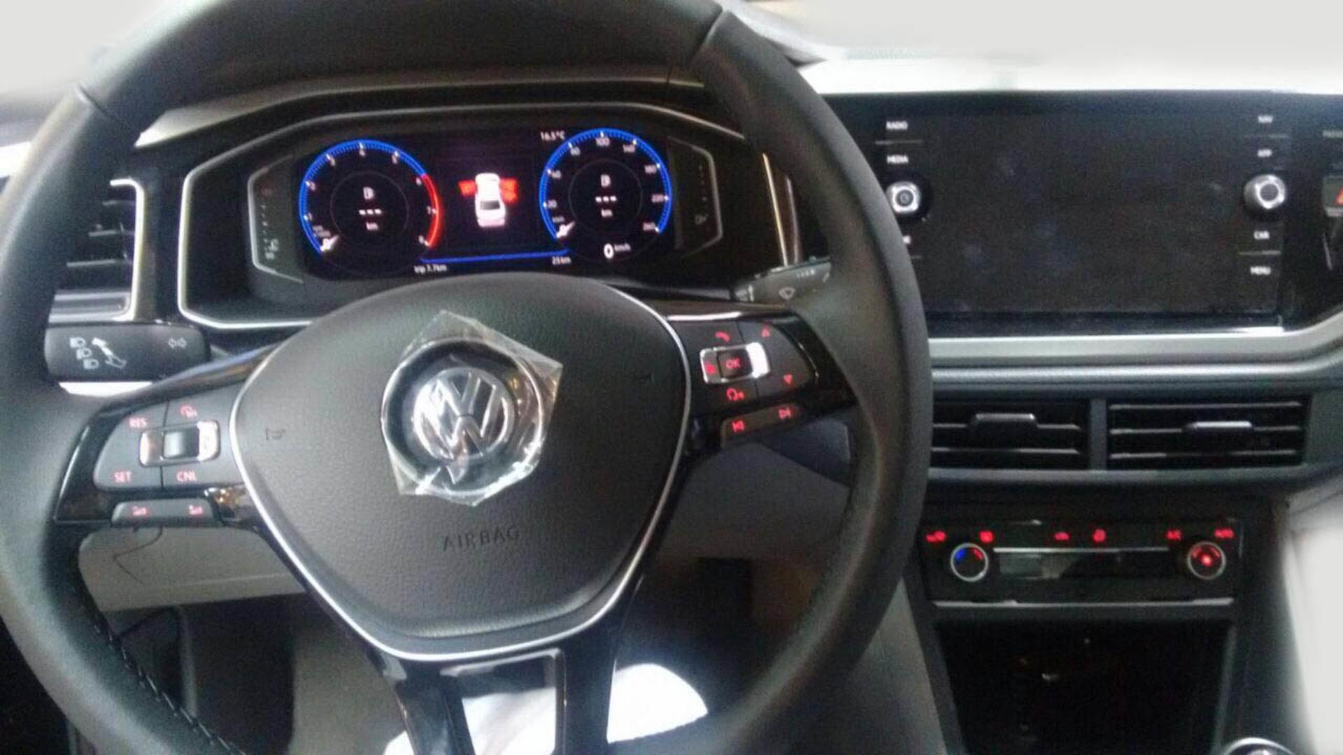 Volkswagen Virtus (7)