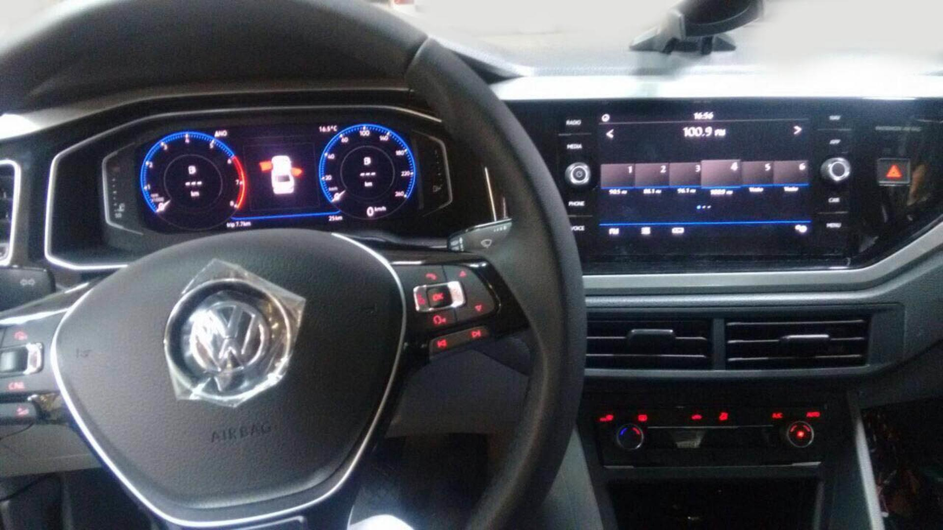 Volkswagen Virtus (8)