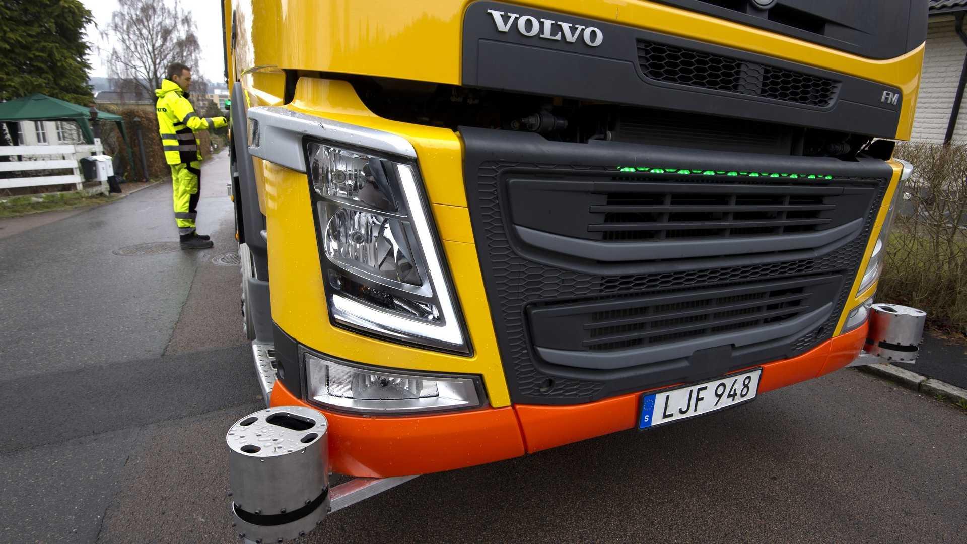 Volvo autonomous garbage truck (3)