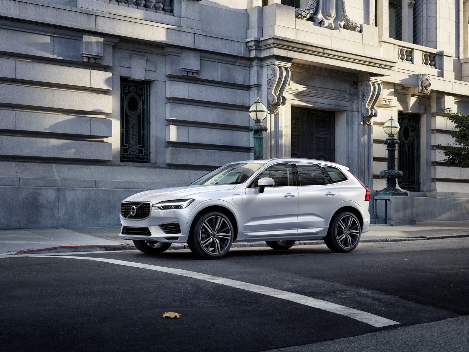 Volvo XC60 2018 (18)